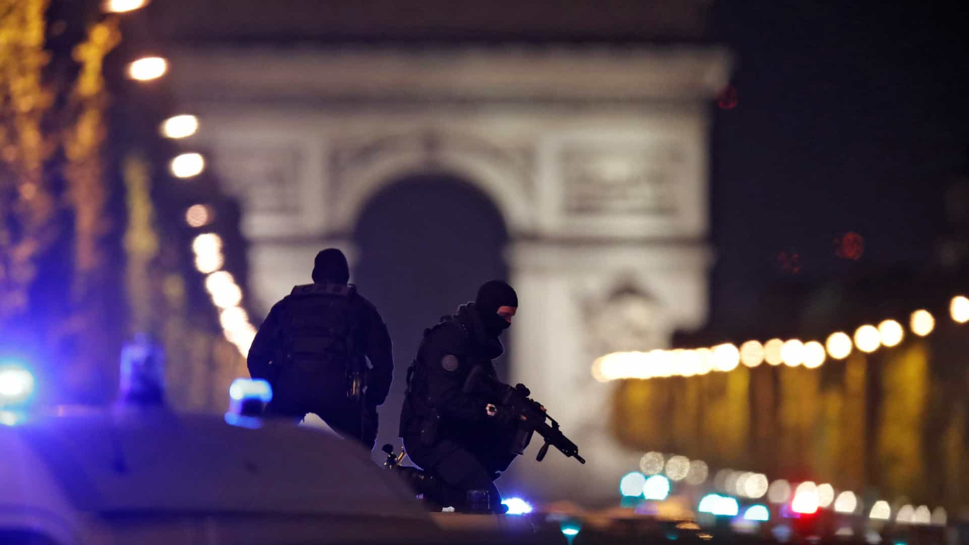Atirador de Paris foi detido no mês passado, mas foi libertado