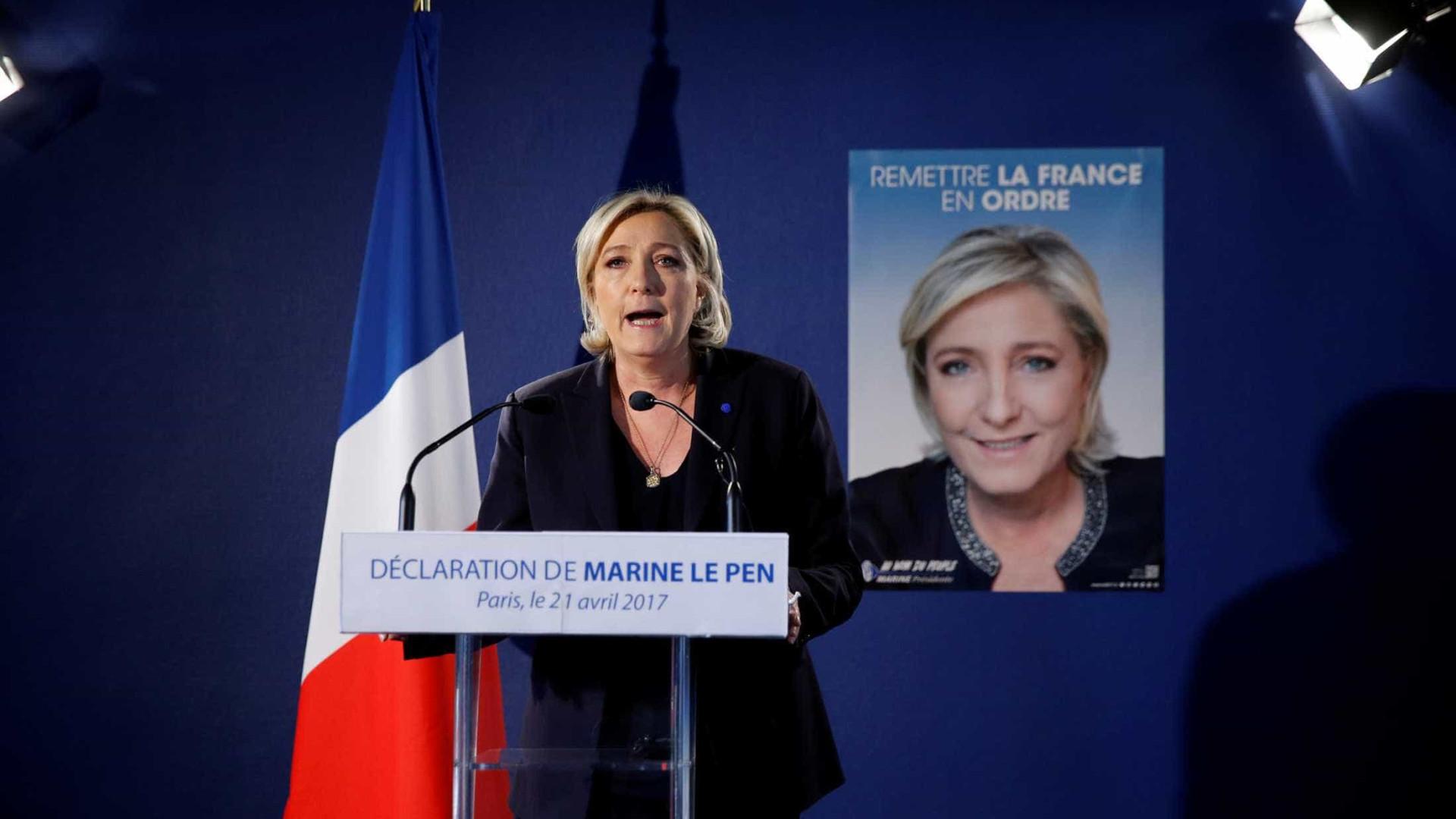 Le Pen reage a atentado e pede restabelecimento das fronteiras