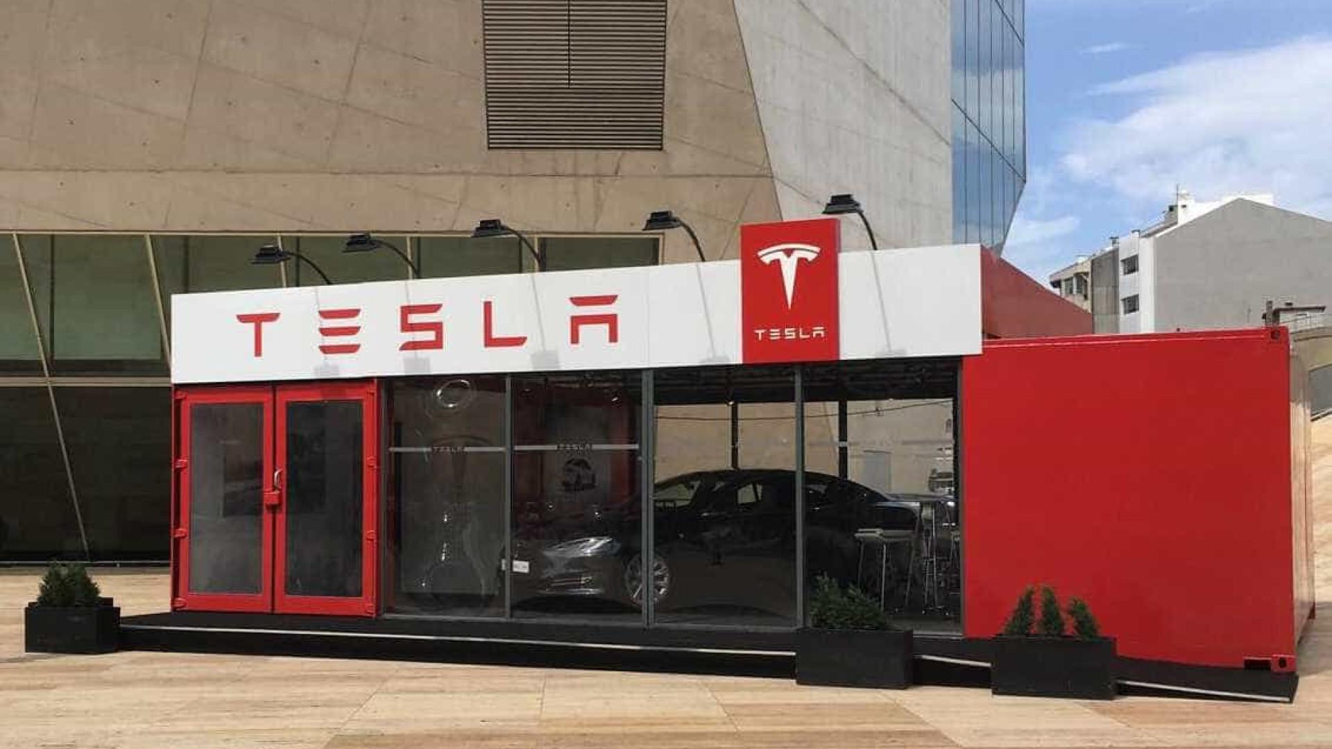 Porto recebeu a primeira loja da Tesla