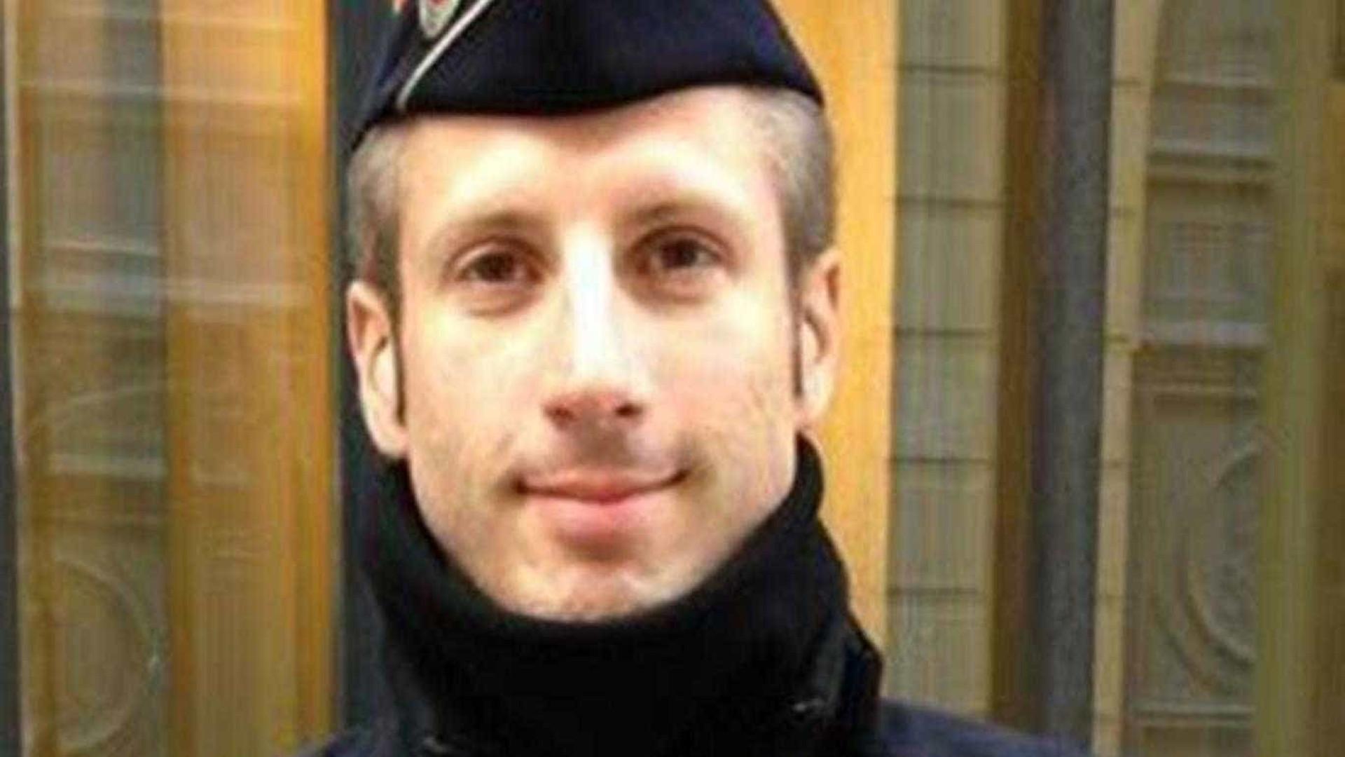 Xavier Jugelé, um dos heróis do Bataclan perdeu a vida nos Campos Elísios
