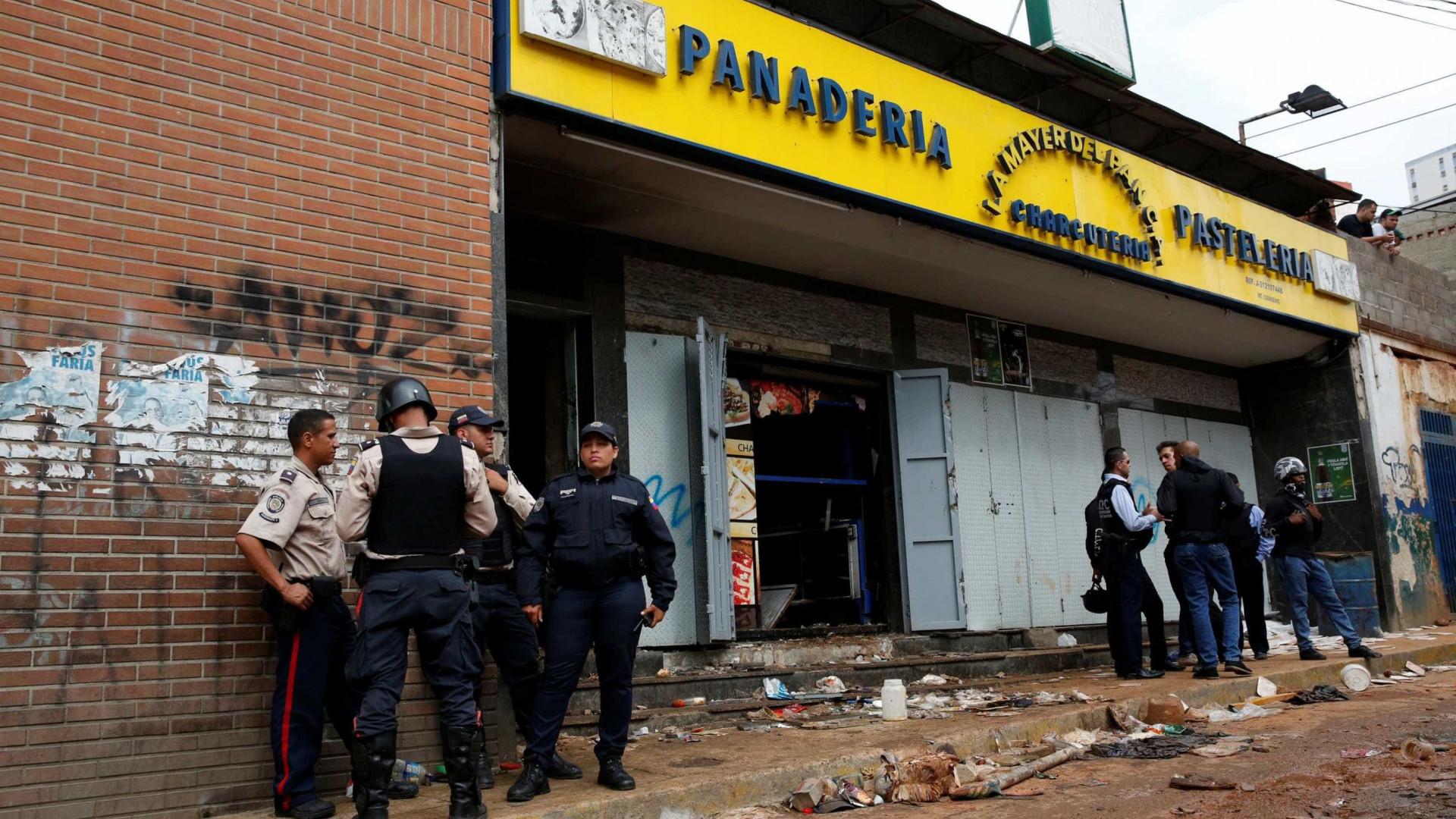 Pelo menos dez mortos durante saque a padaria em Caracas