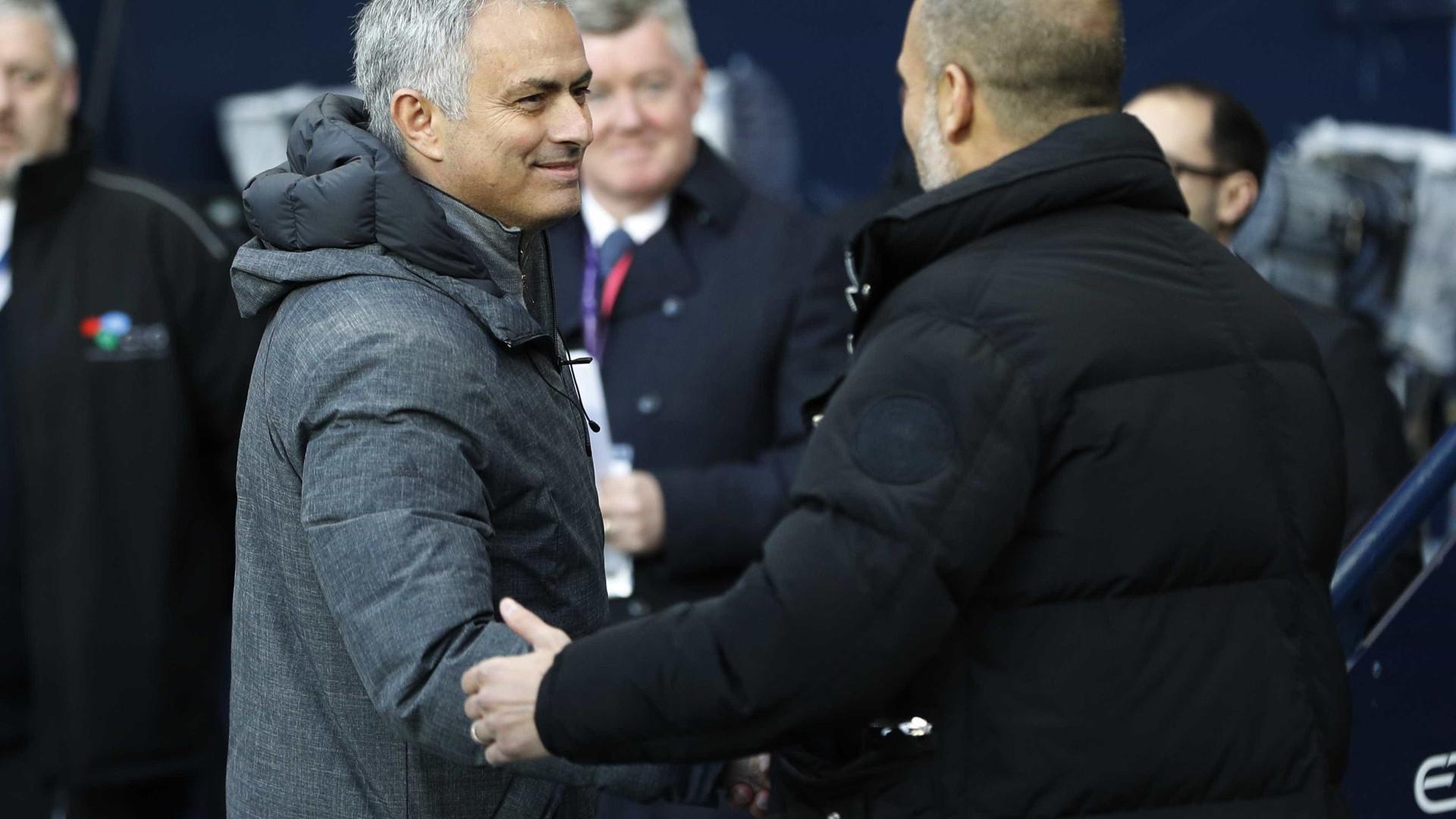 """Mourinho aquece dérbi de Manchester: """"Eu digo-vos a verdade..."""""""