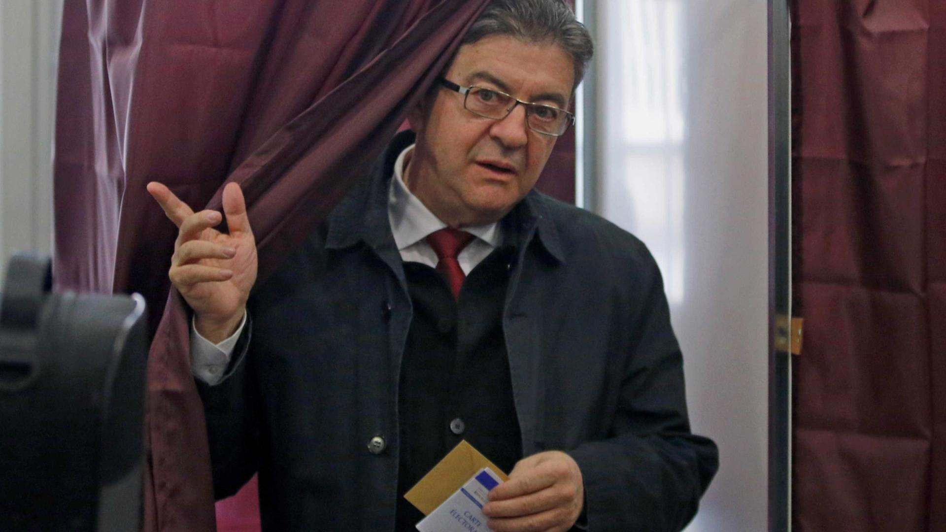 """Mélenchon diz que alta abstenção resulta de """"greve geral cívica"""""""