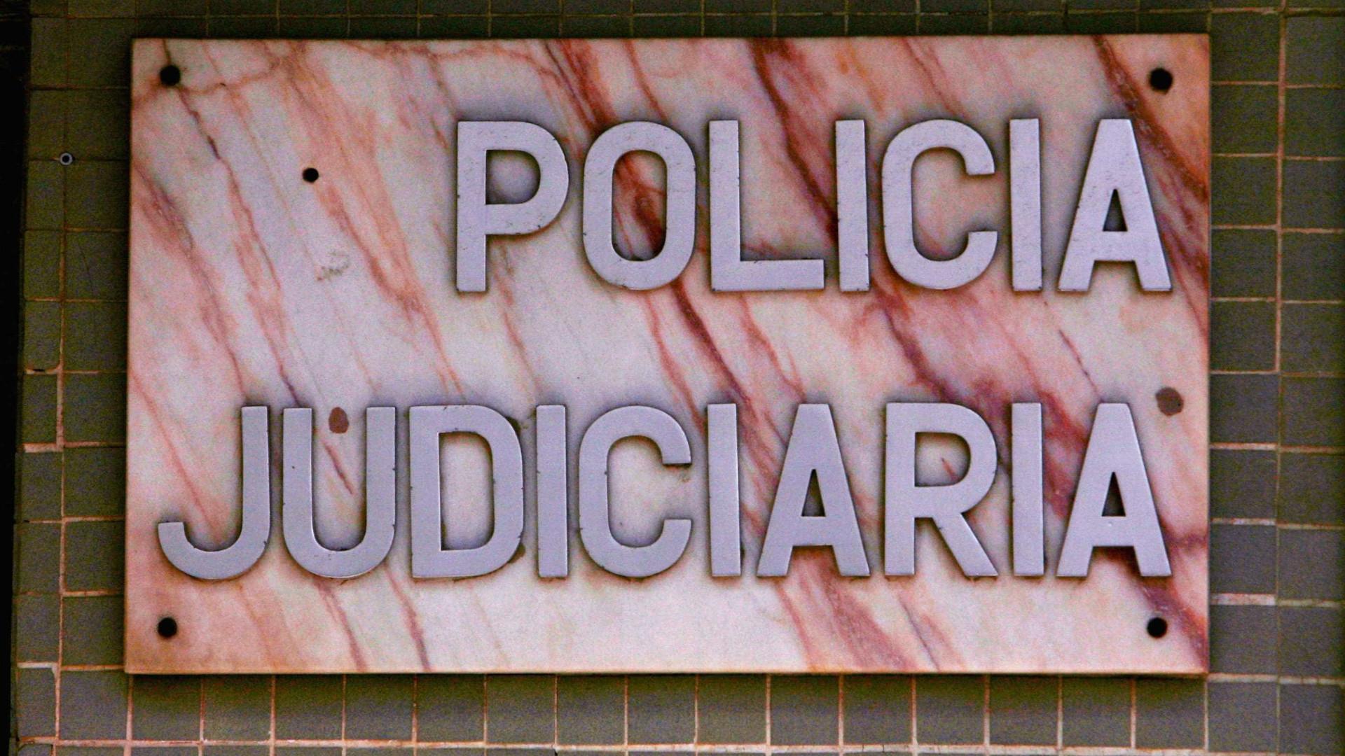 Suspeito de violência doméstica acaba detido por posse de armas proibidas