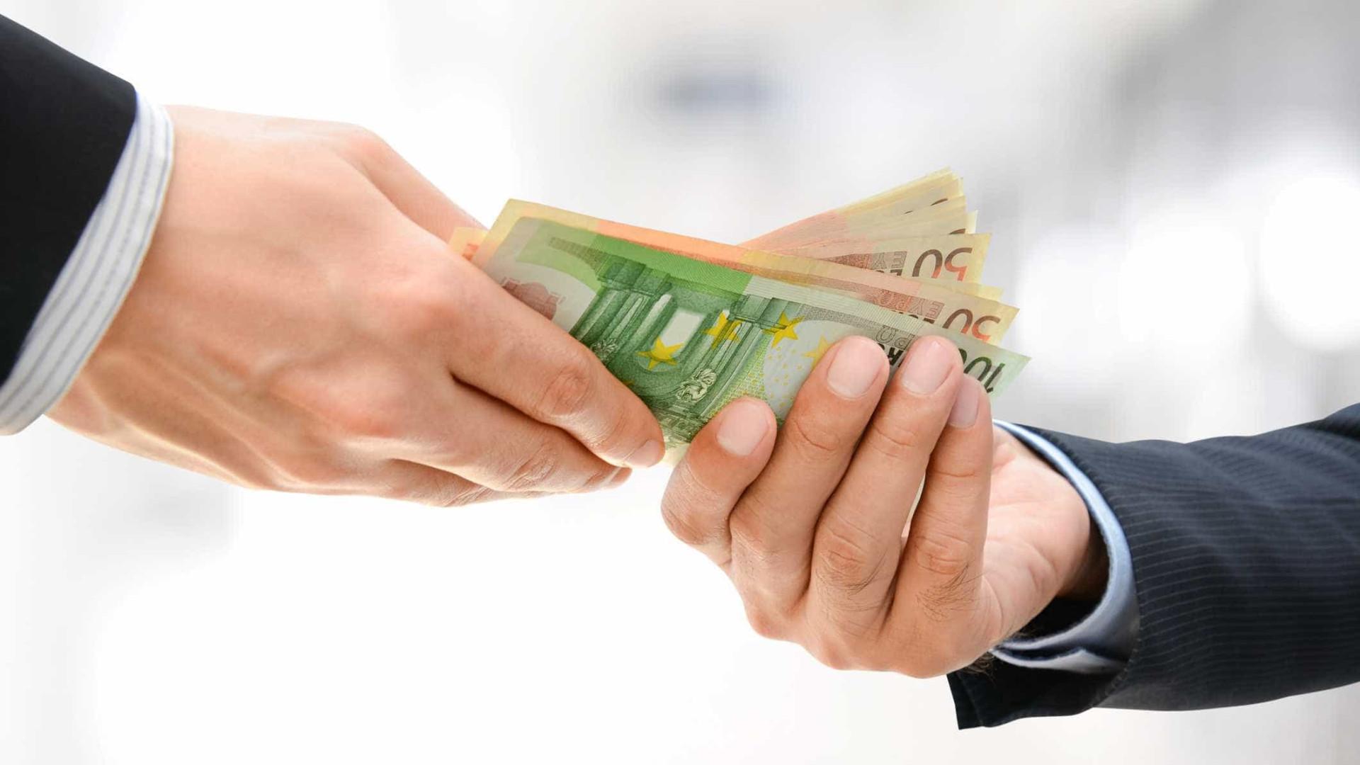 A partir de amanhã, pagamentos em dinheiro estão limitados a 3.000 euros