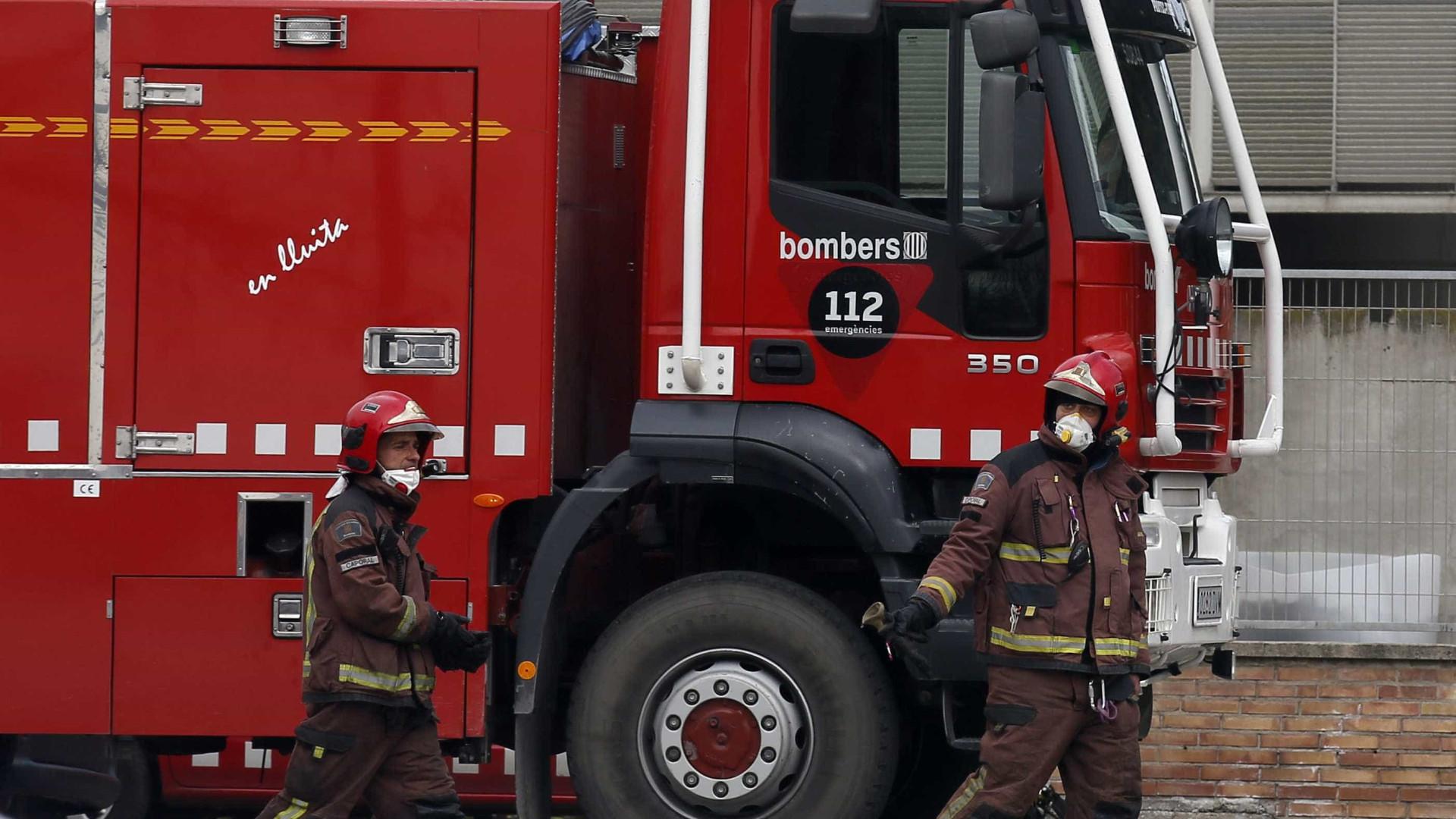 Incêndio em Barcelona causa 10 feridos. Um deles em estado grave