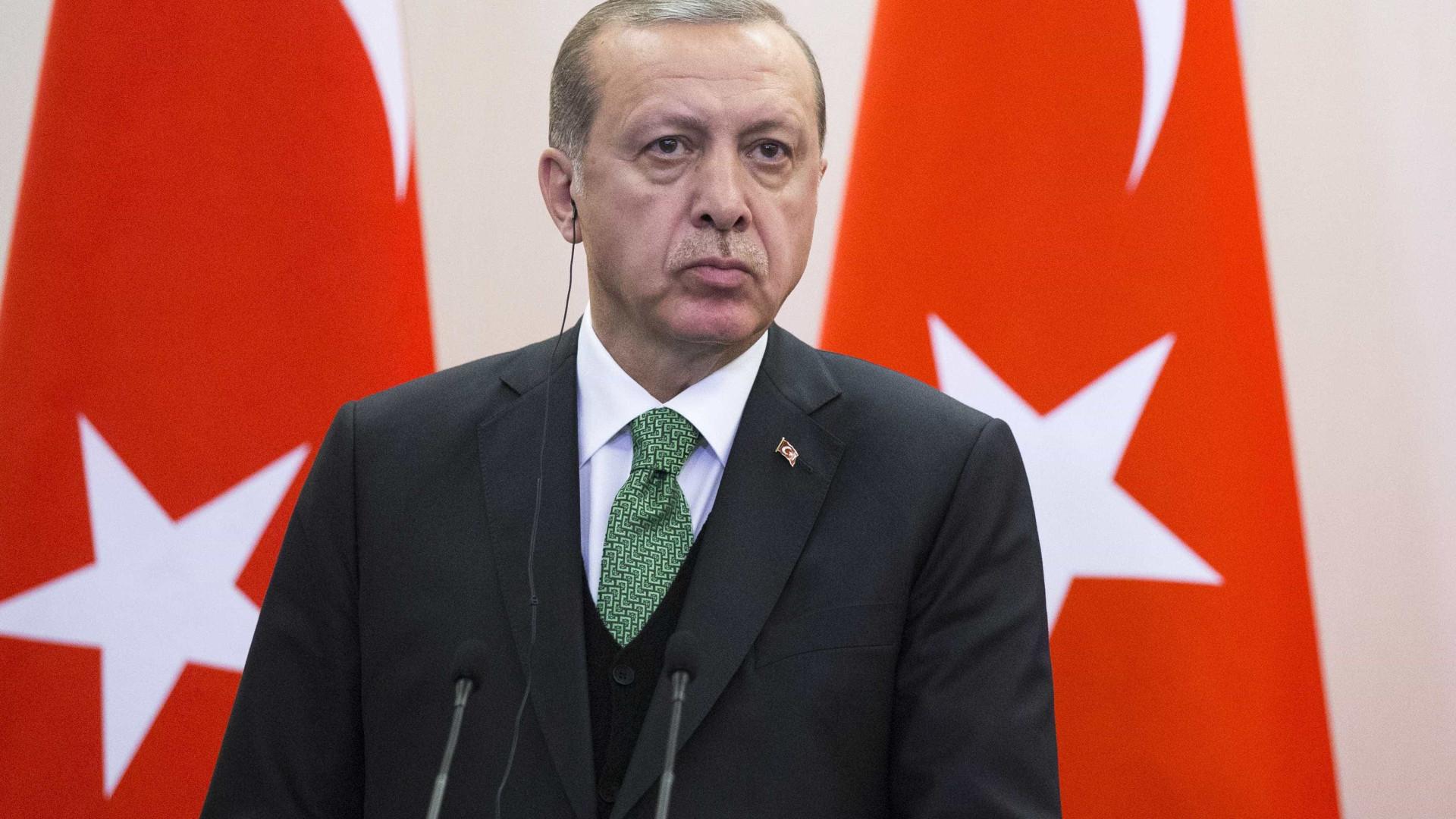 Erdogan acusa EUA de sacrificarem relação com Turquia