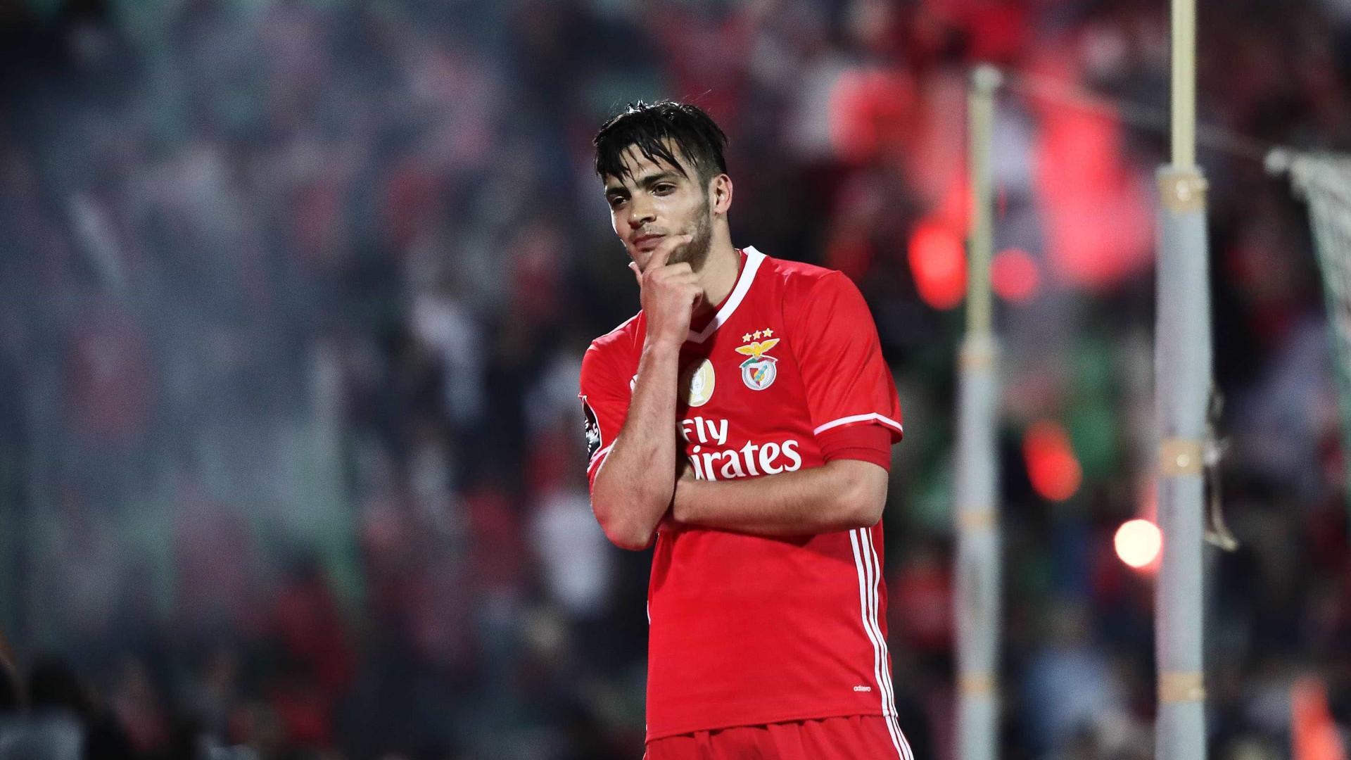 Oficial: Benfica empresta Raúl Jiménez ao Wolverhampton