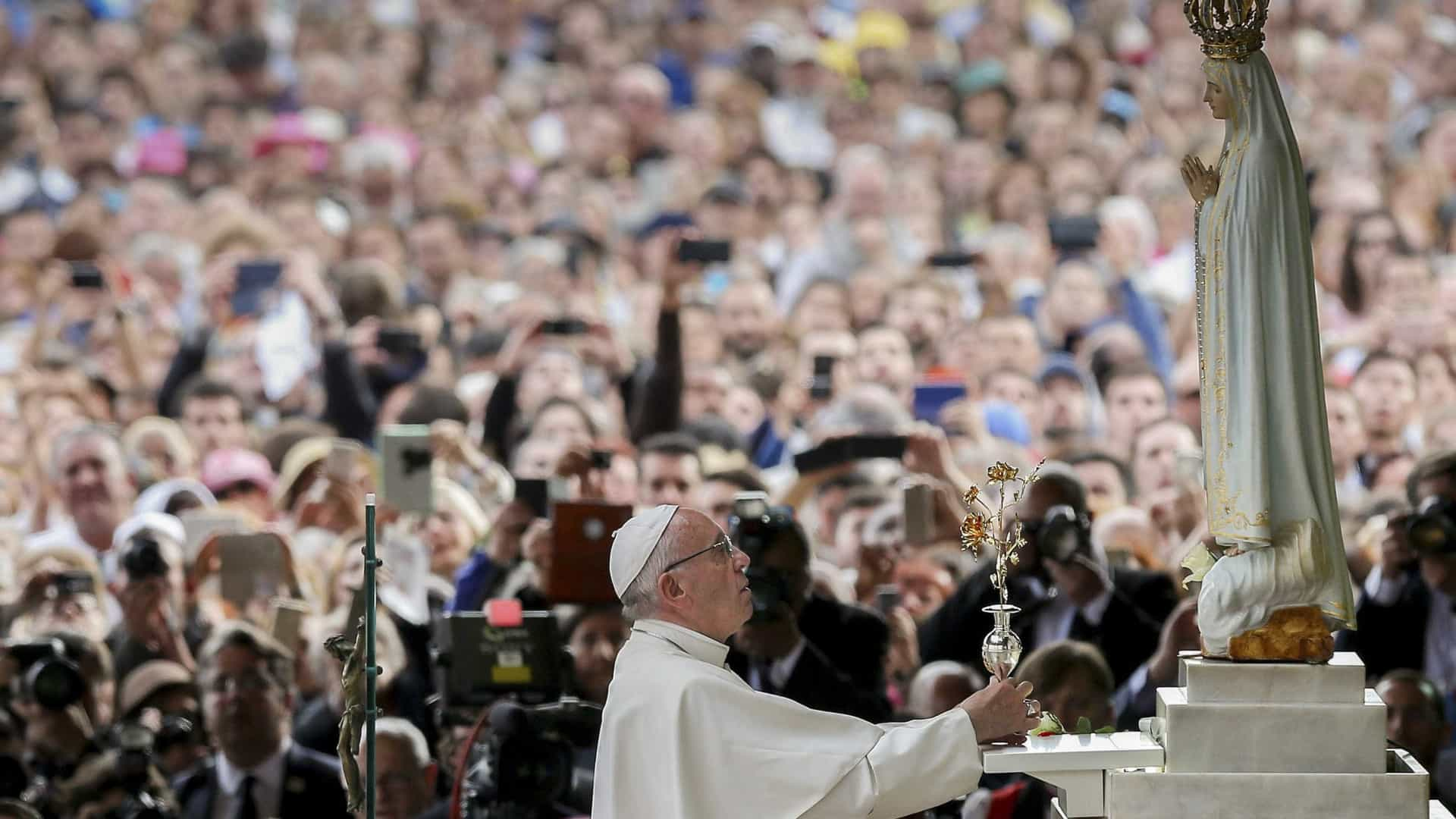 Fátima reza pelo papa Francisco e recorda cinco anos do pontificado