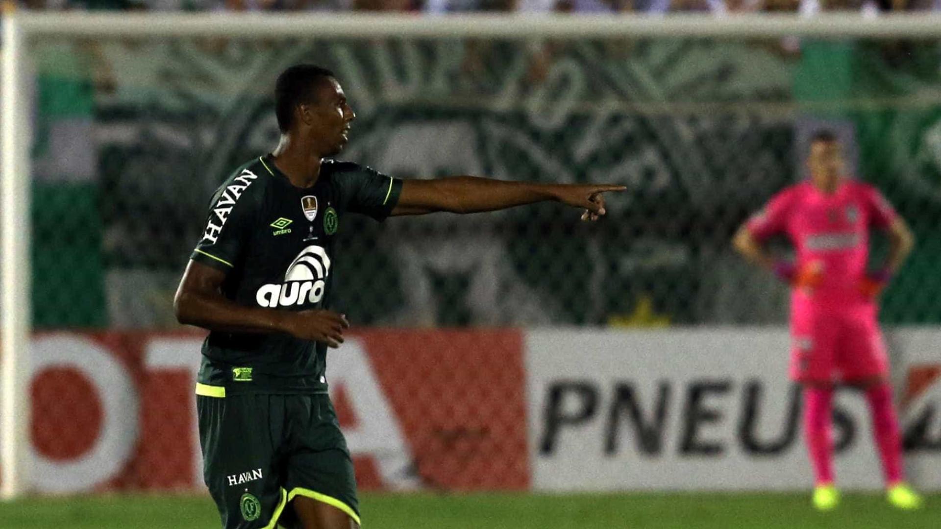 Chapecoense venceu mas pode ser excluída da Taça Libertadores