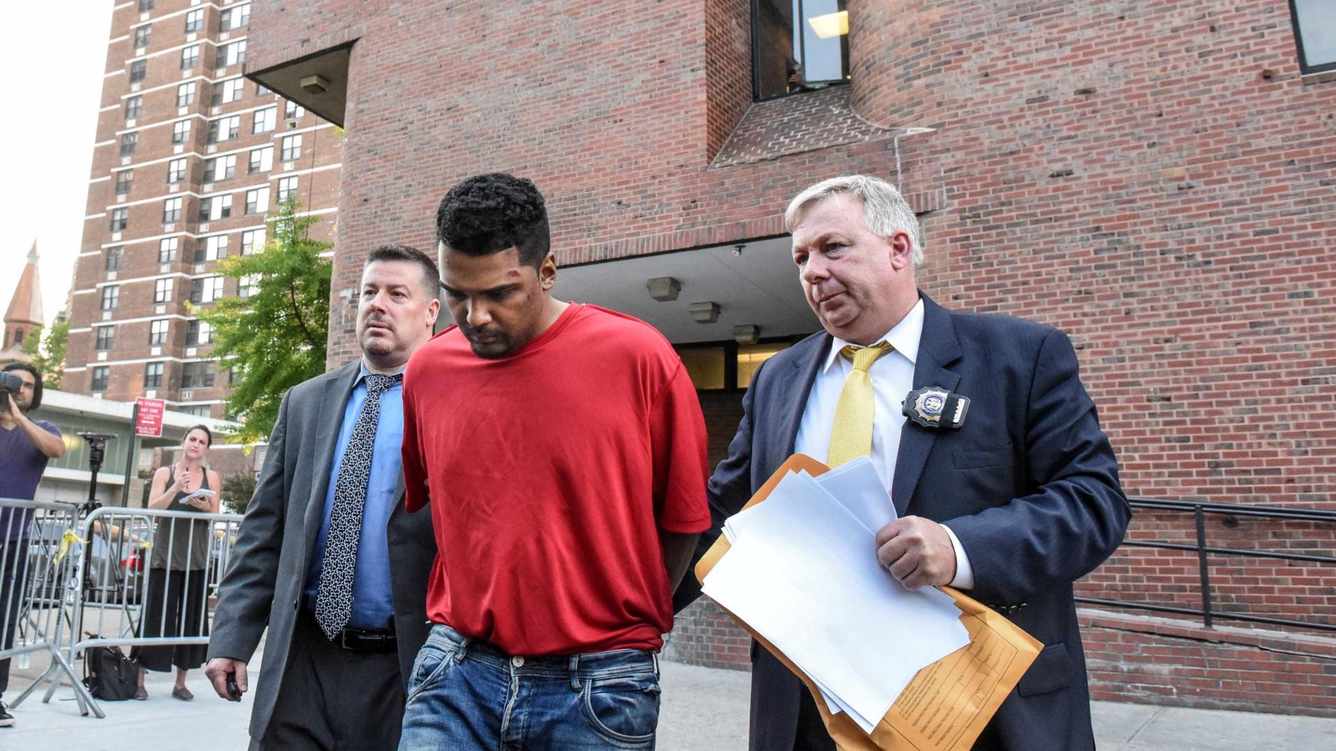 Condutor que atropelou pessoas em Times Square acusado de homicídio