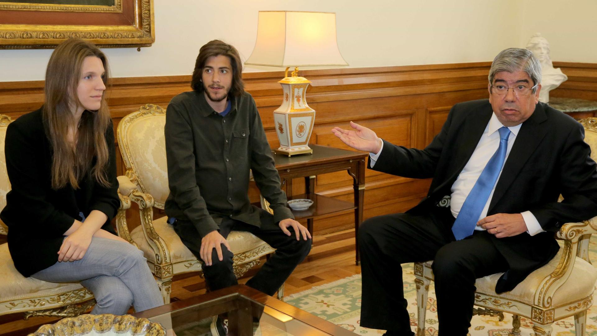 Aplaudido no Parlamento, Salvador deixou um 'recado' a quem governa