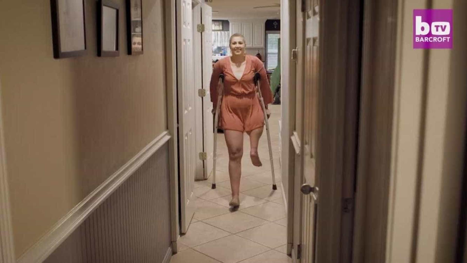 Jovem transforma pé num joelho em cirurgia para tratar cancro