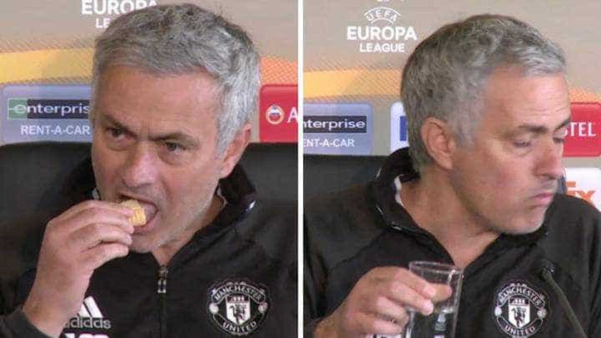 Mourinho manda jornalista esperar porque... estava a comer
