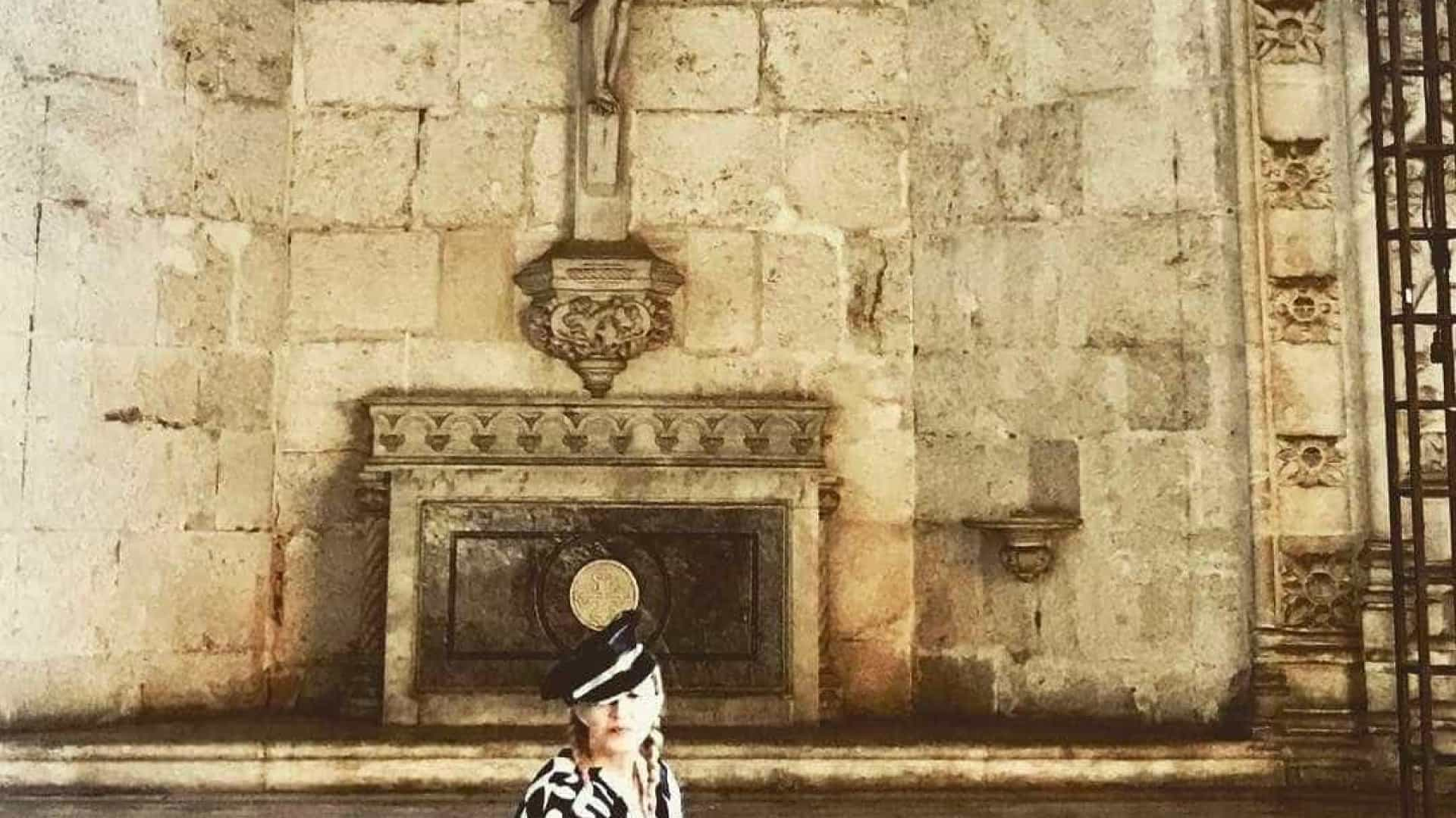Madonna esteve no Mosteiro dos Jerónimos com as filhas