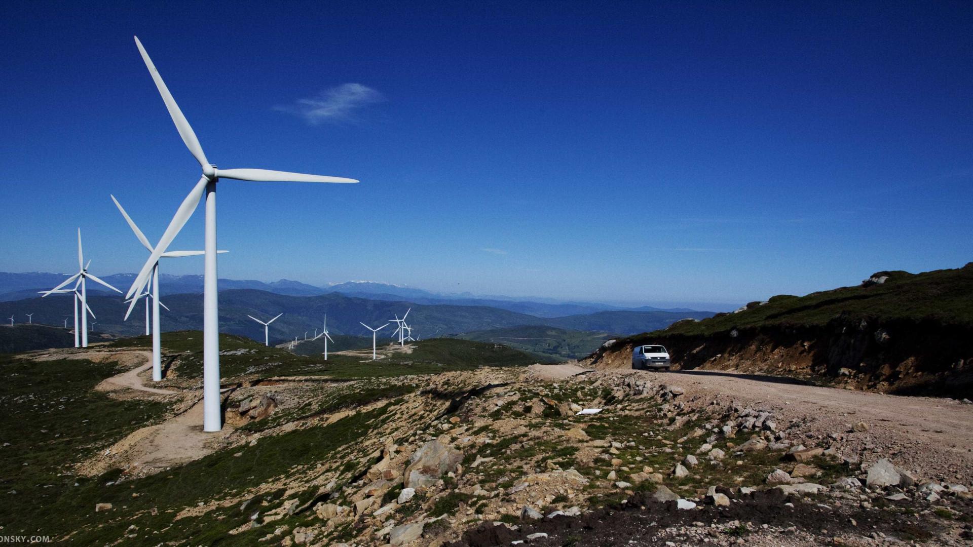 Produção de eletricidade renovável poupa 265 milhões em sete anos