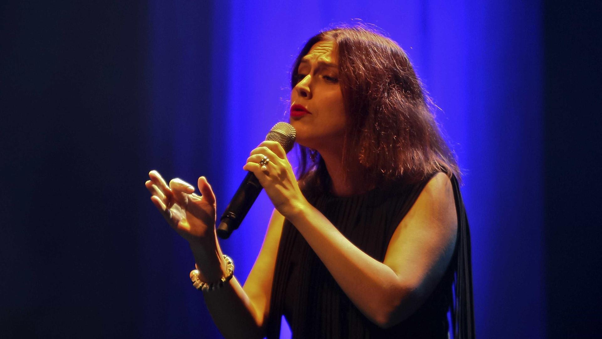 Ana Bacalhau apresenta álbum a solo em Lisboa e no Porto