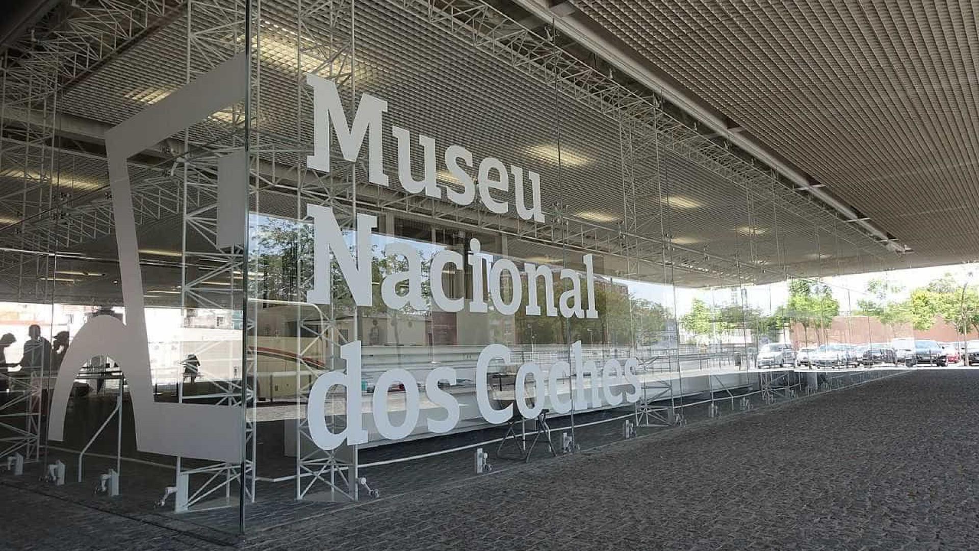 Museu dos Coches evoca partida da familia real para o Brasil em 80 obras