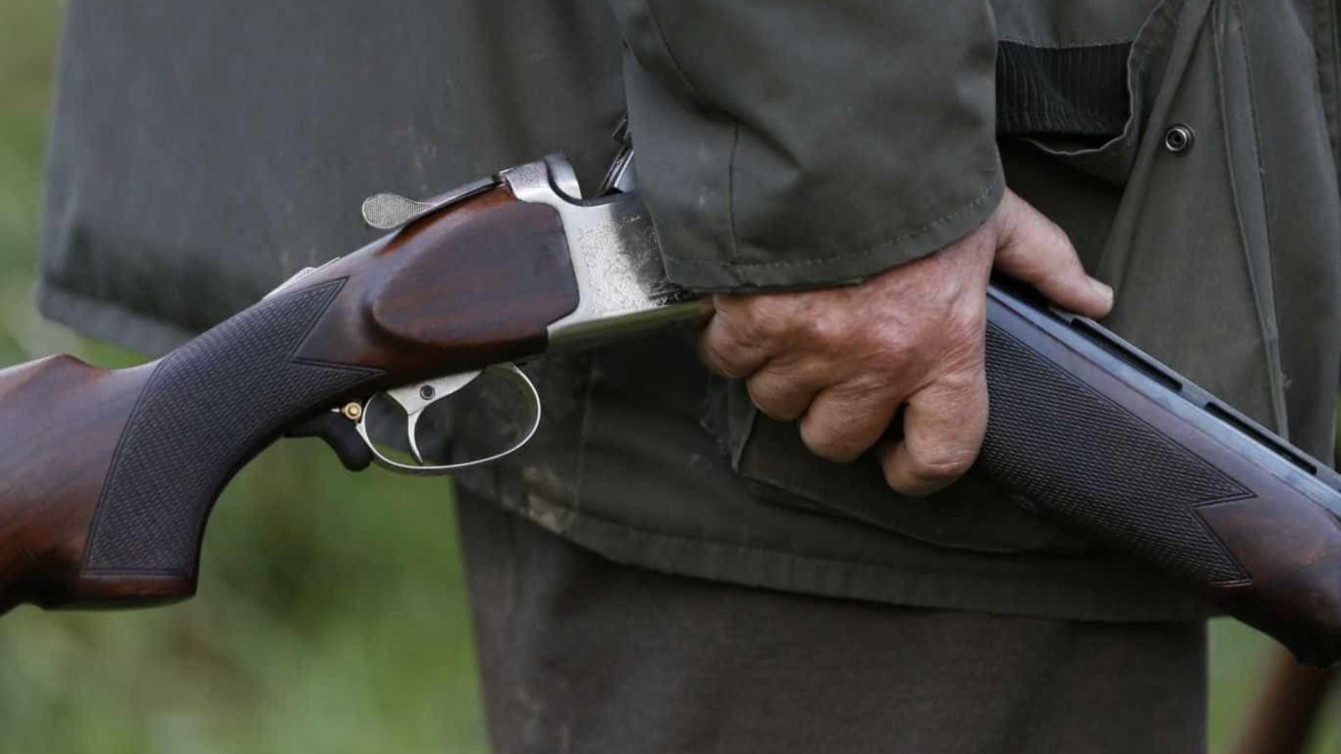 Caçador em Armamar fere-se com gravidade com a sua arma