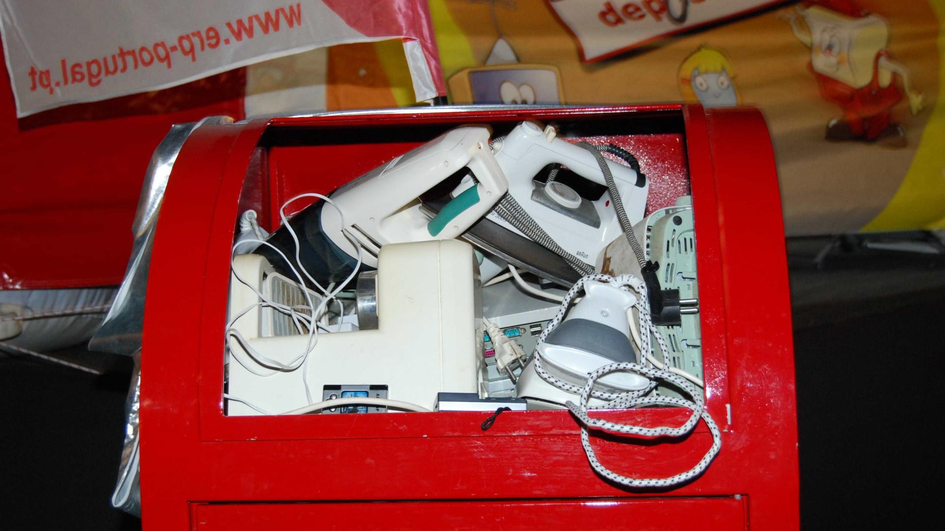 O que se faz aos eletrodomésticos e aparelhos eletrónicos em fim de vida?