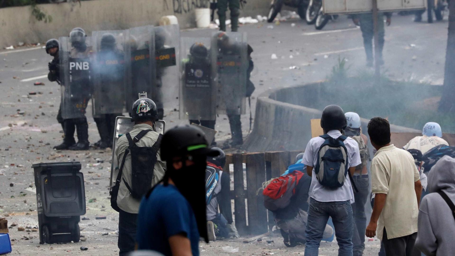 Conflito - Venezuela: Oposição bloqueou Caracas e outras cidades