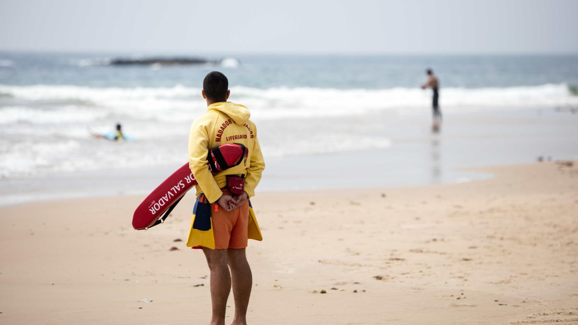 Dois jovens retirados do mar e um desaparecido em Almada