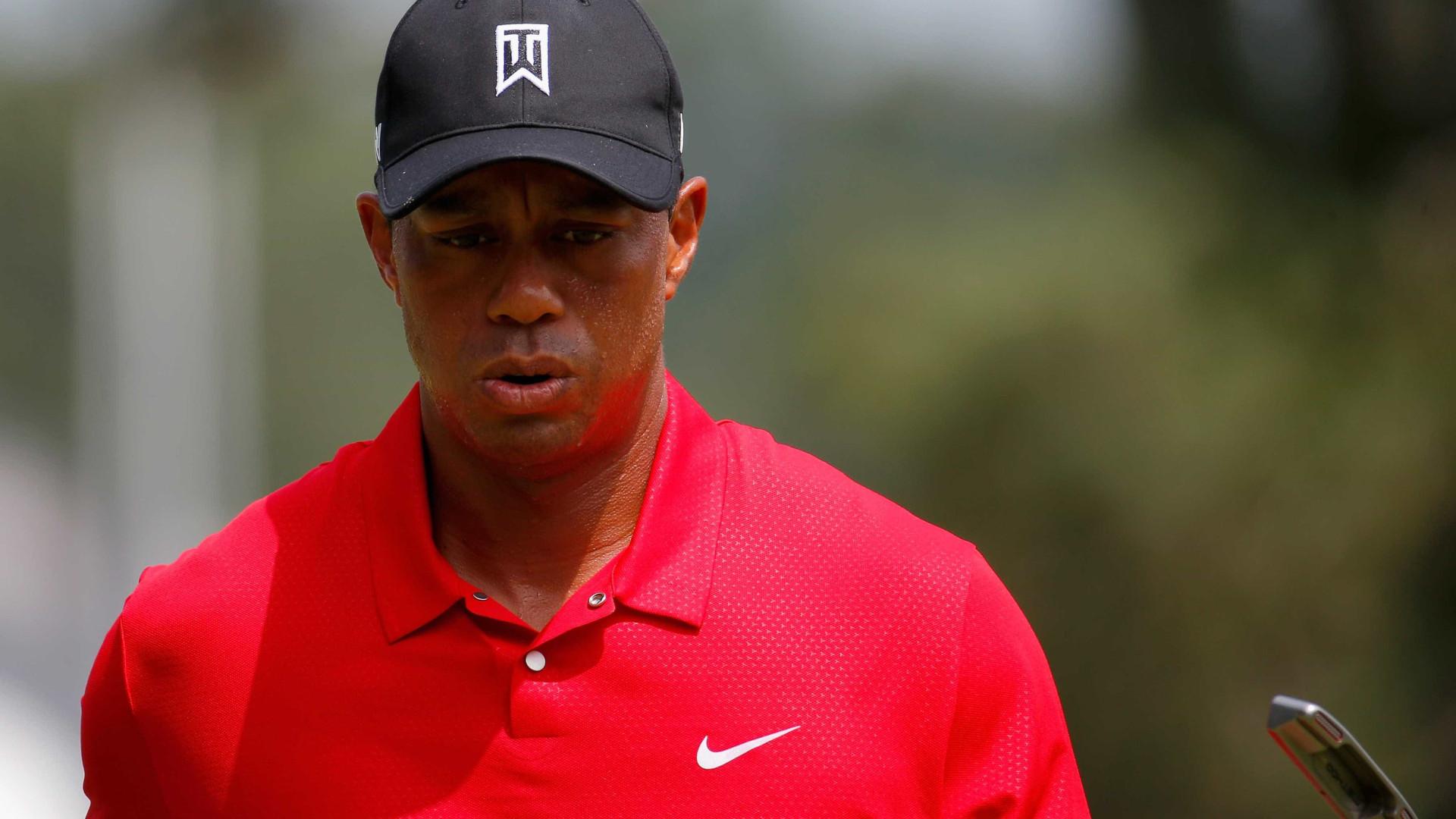 Tiger Woods fora dos mil melhores golfistas do mundo pela primeira vez