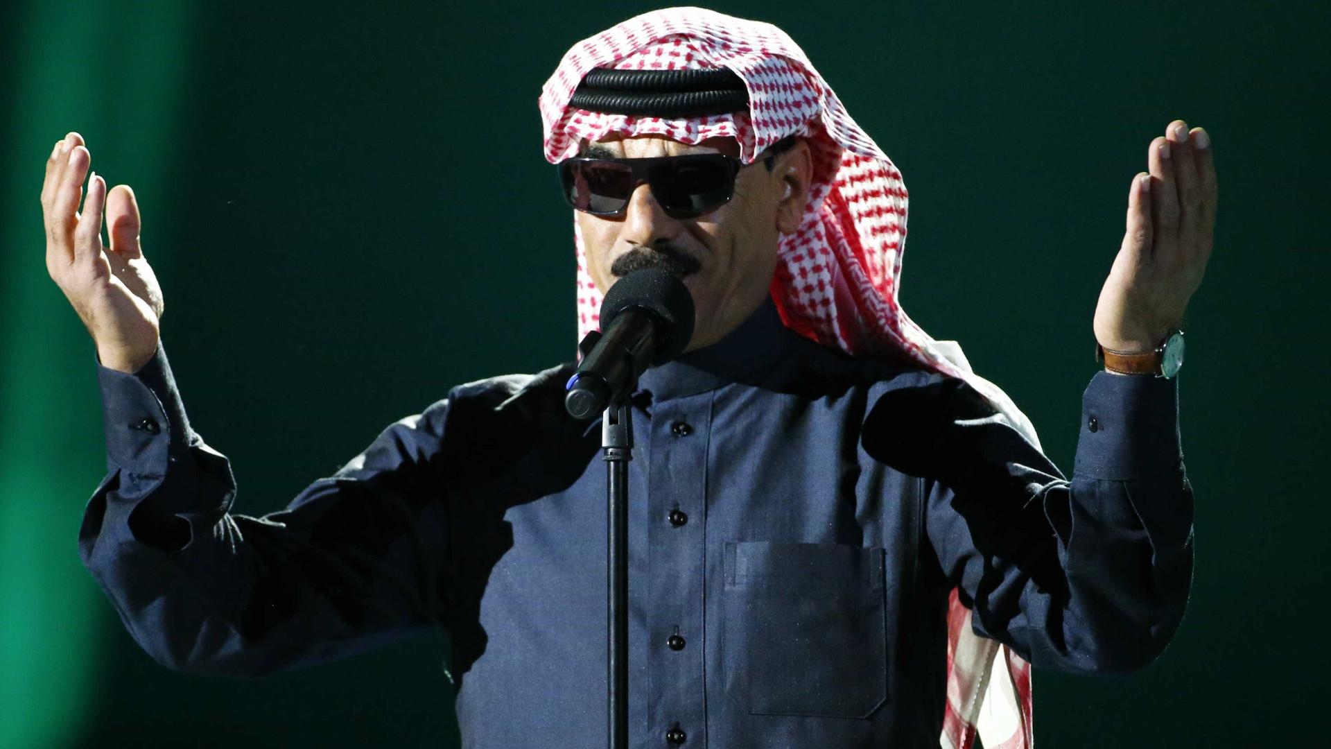 """Omar Souleyman apresenta hoje """"uma prenda para os sírios"""" em novo álbum"""