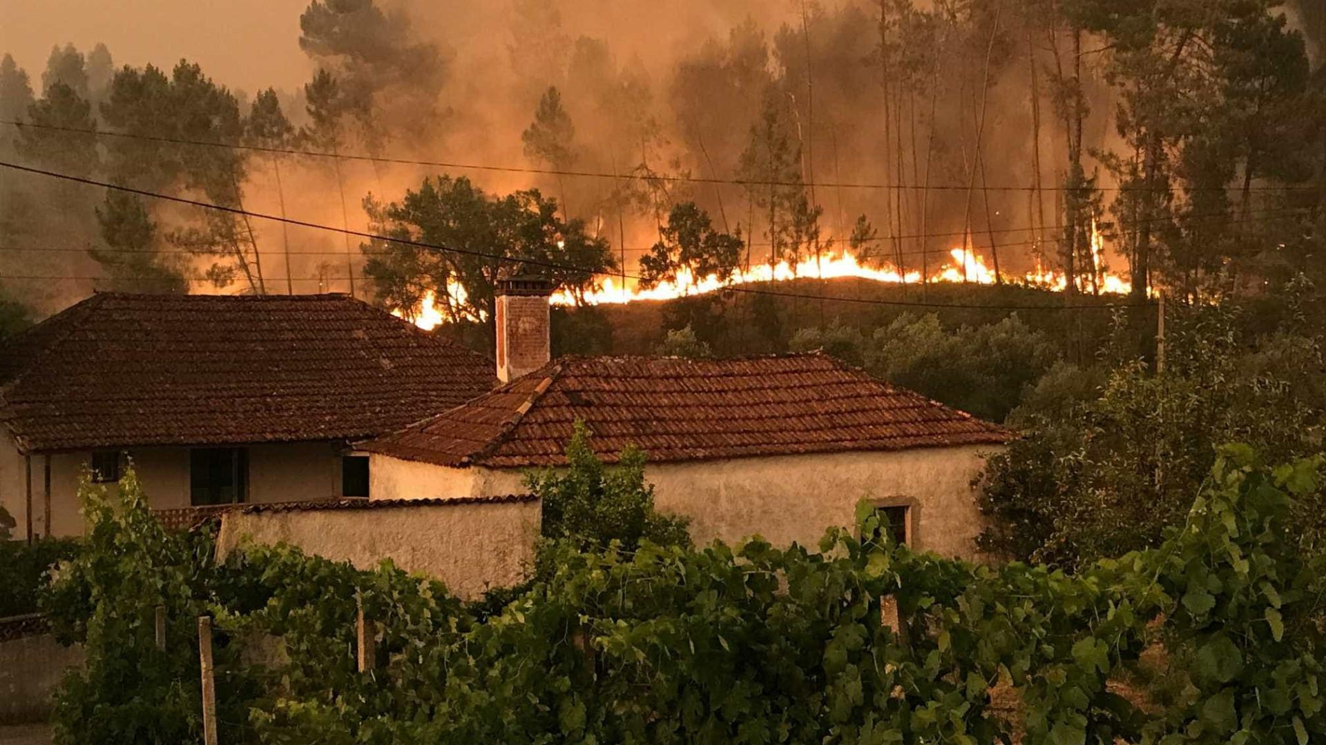 Moradores de Cernache preparam-se para uma noite de inferno