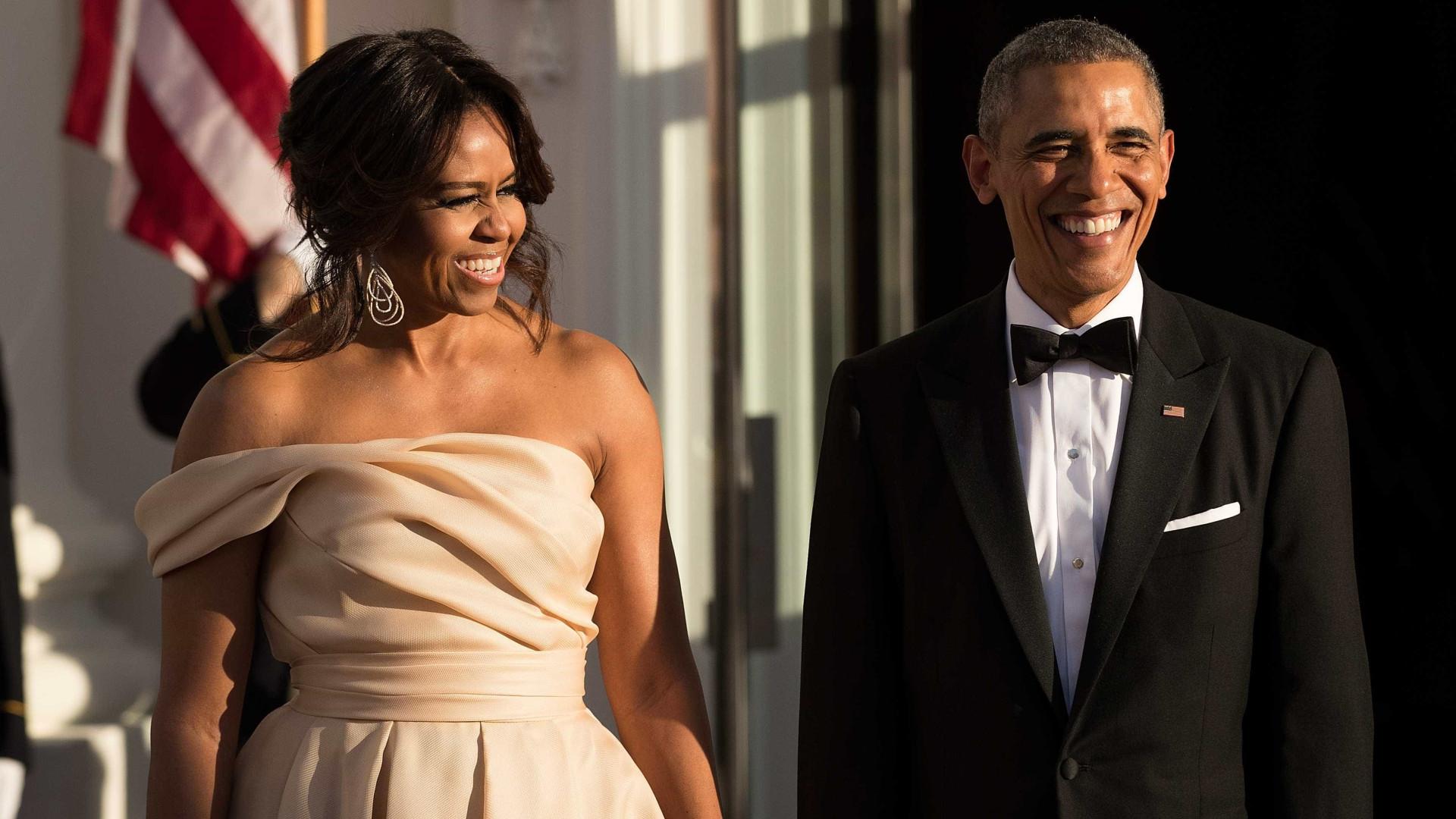 Barack Obama derrete-se com mensagem carinhosa da mulher