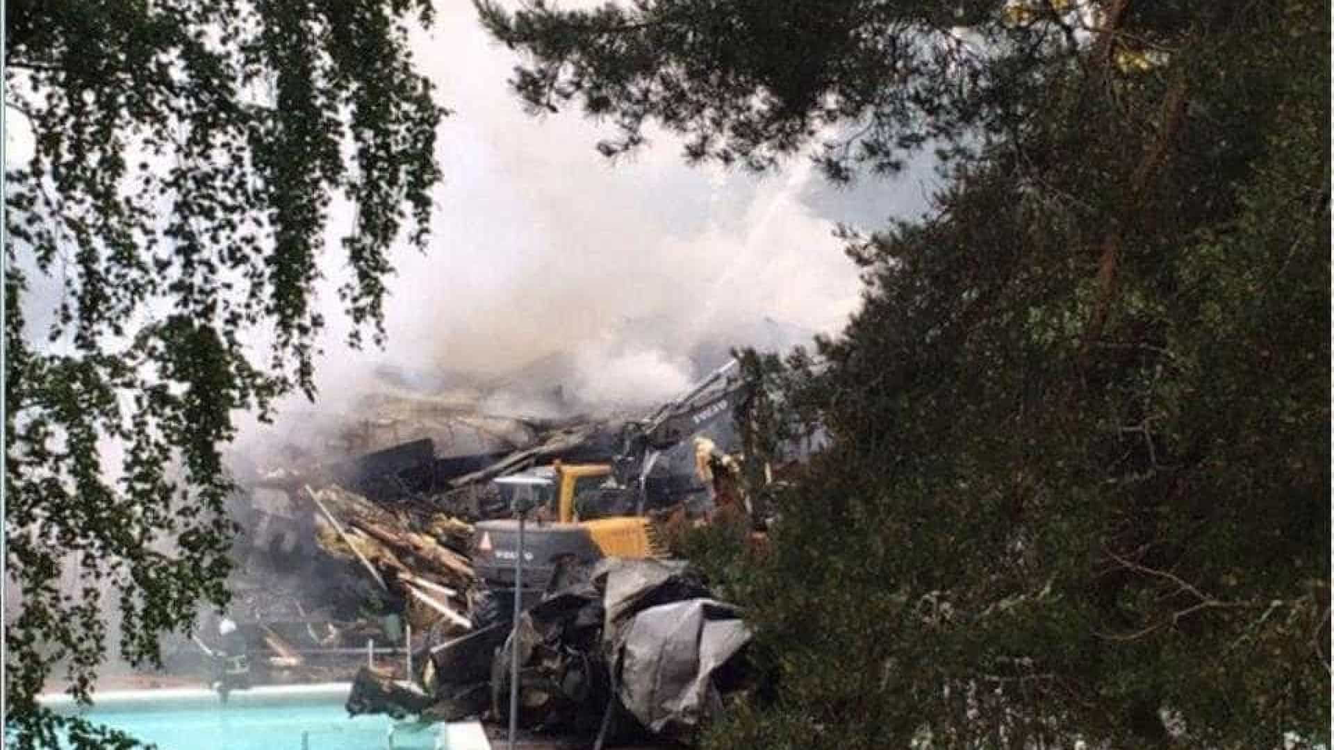 Antigo clube de Lindelof devastado por incêndio criminoso