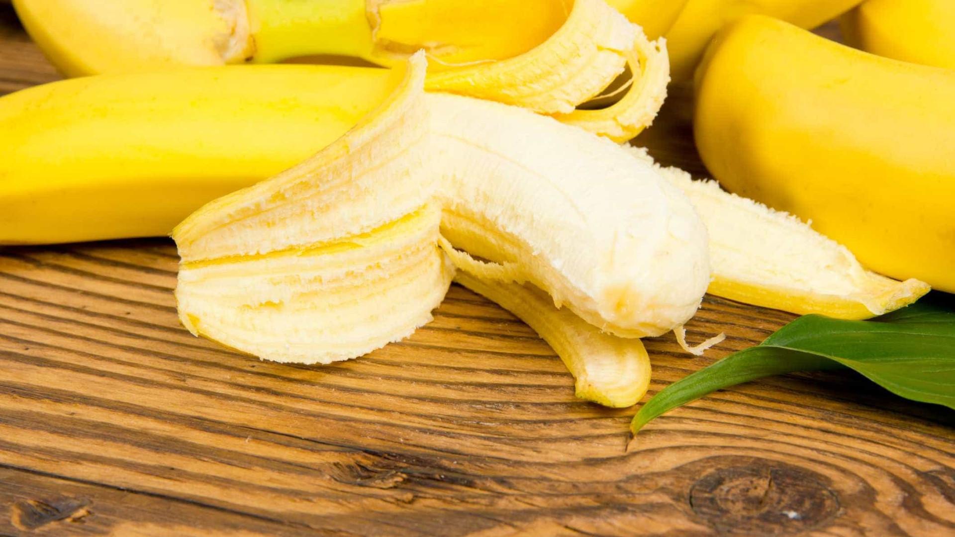 Há um bom motivo para as bananas terem fios