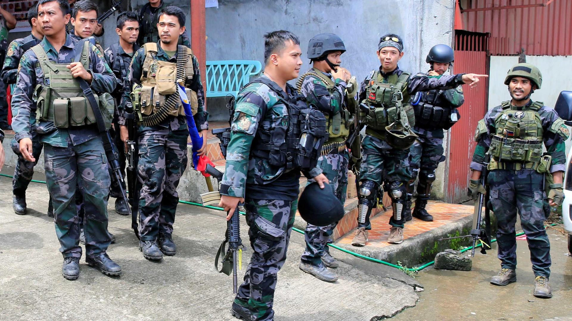 Polícia e exército das Filipinas pedem extensão da lei marcial no sul