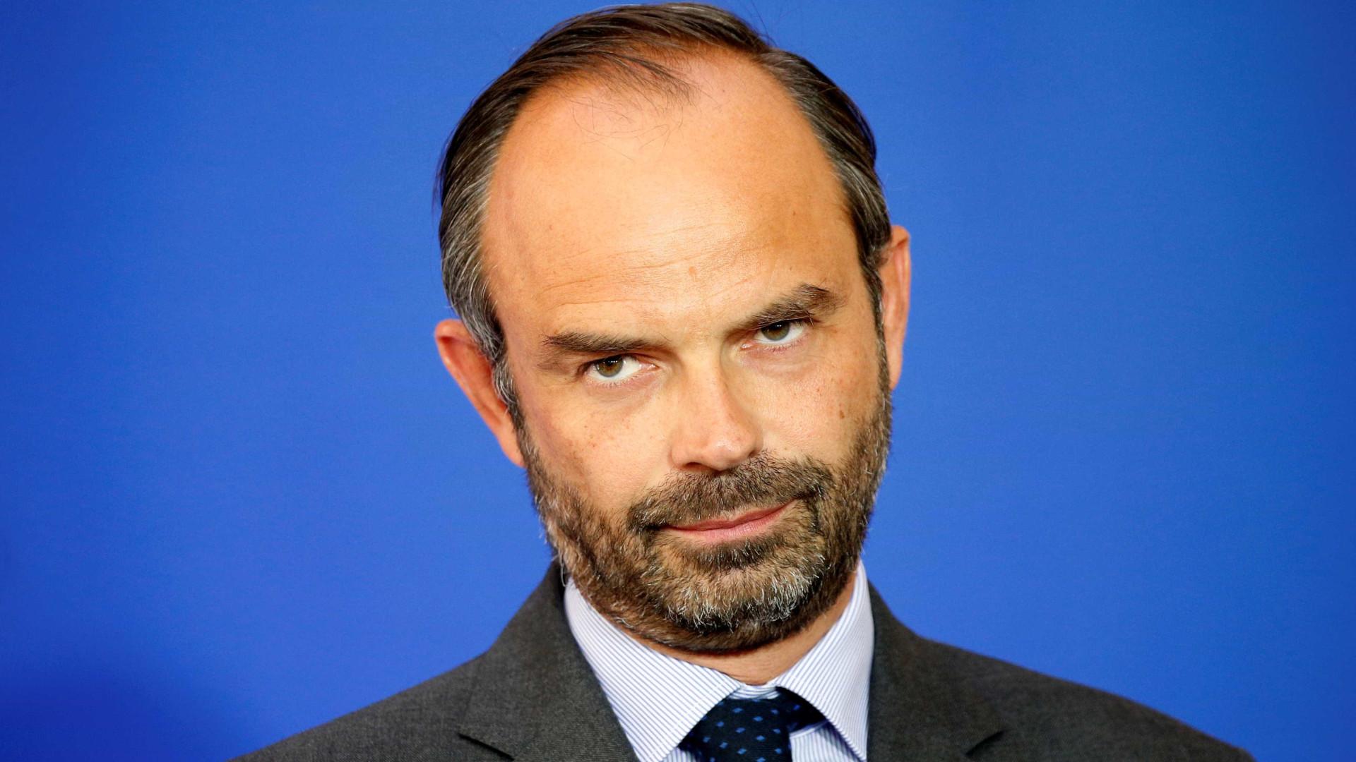Défice de 2017 em risco de derrapar, diz primeiro-ministro francês