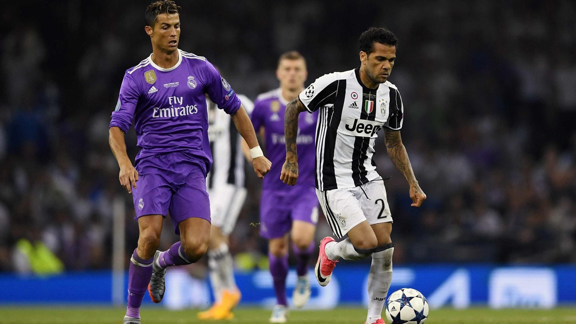 Dani Alves rejeita proposta do Chelsea para trabalhar com Guardiola