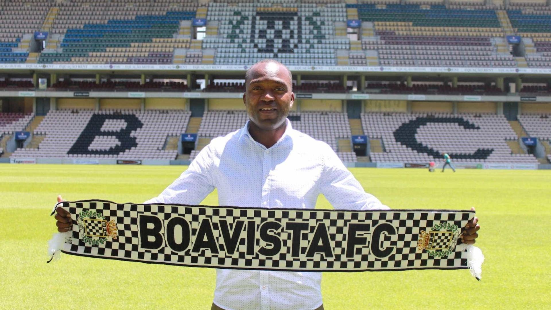 Boavista anuncia renovação de contrato com Mateus