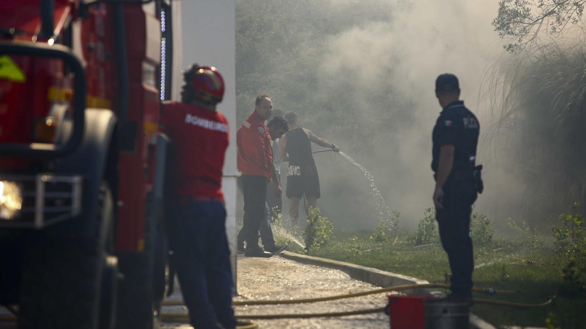 Fuga de gás dá origem a incêndio e faz dois feridos