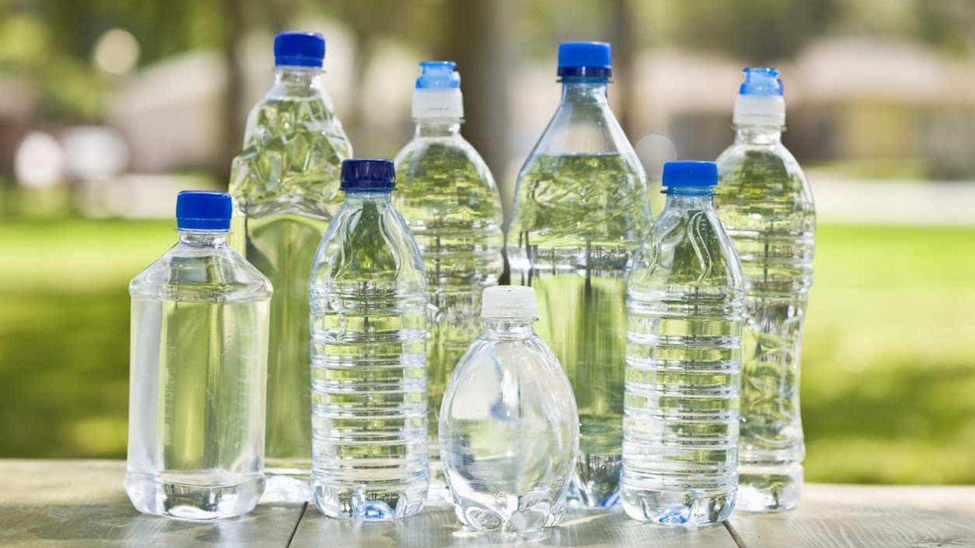 A perigosa razão pela qual não deve reutilizar as garrafas de água