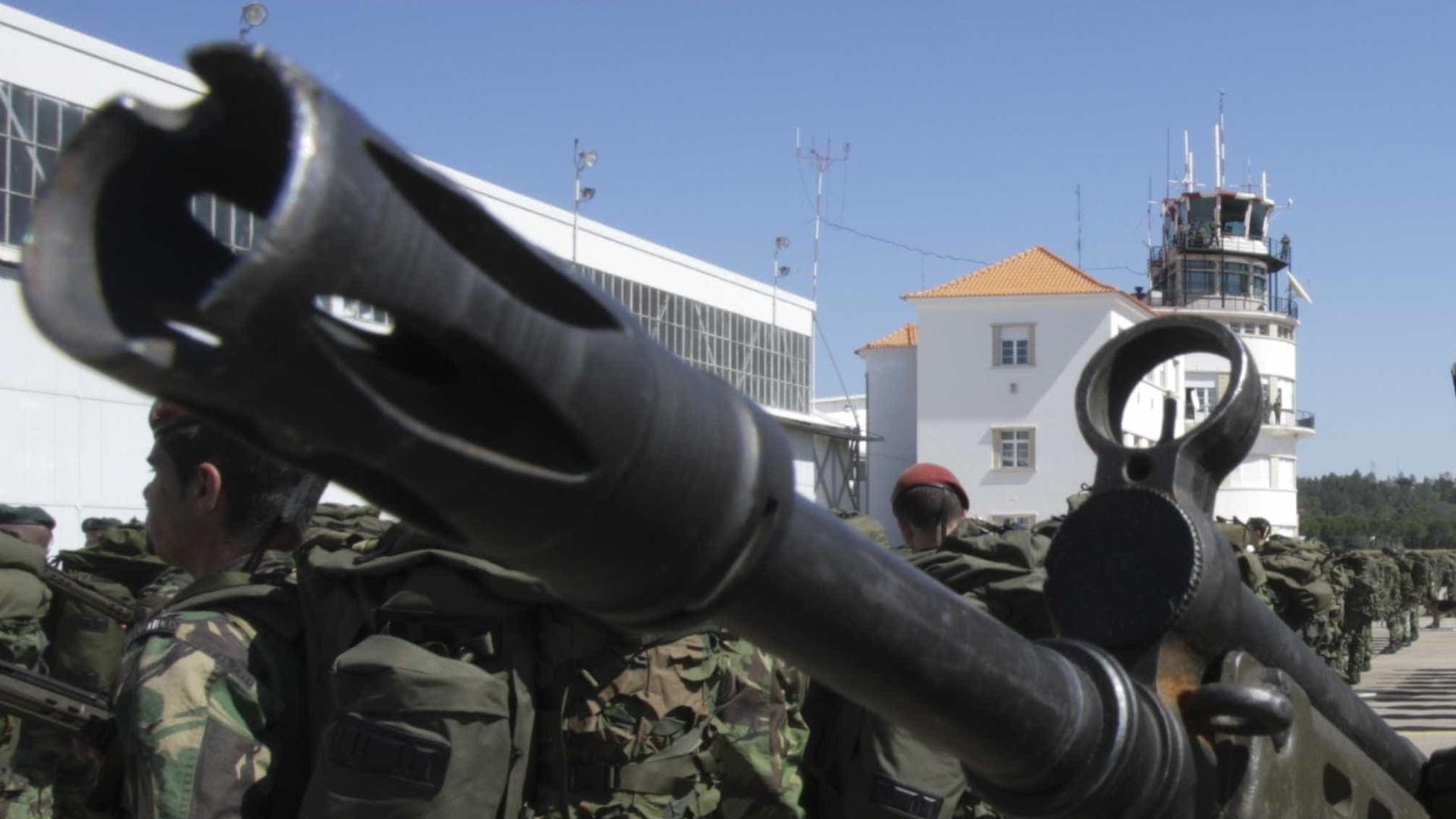 Imprensa espanhola divulga material de guerra roubado em Tancos