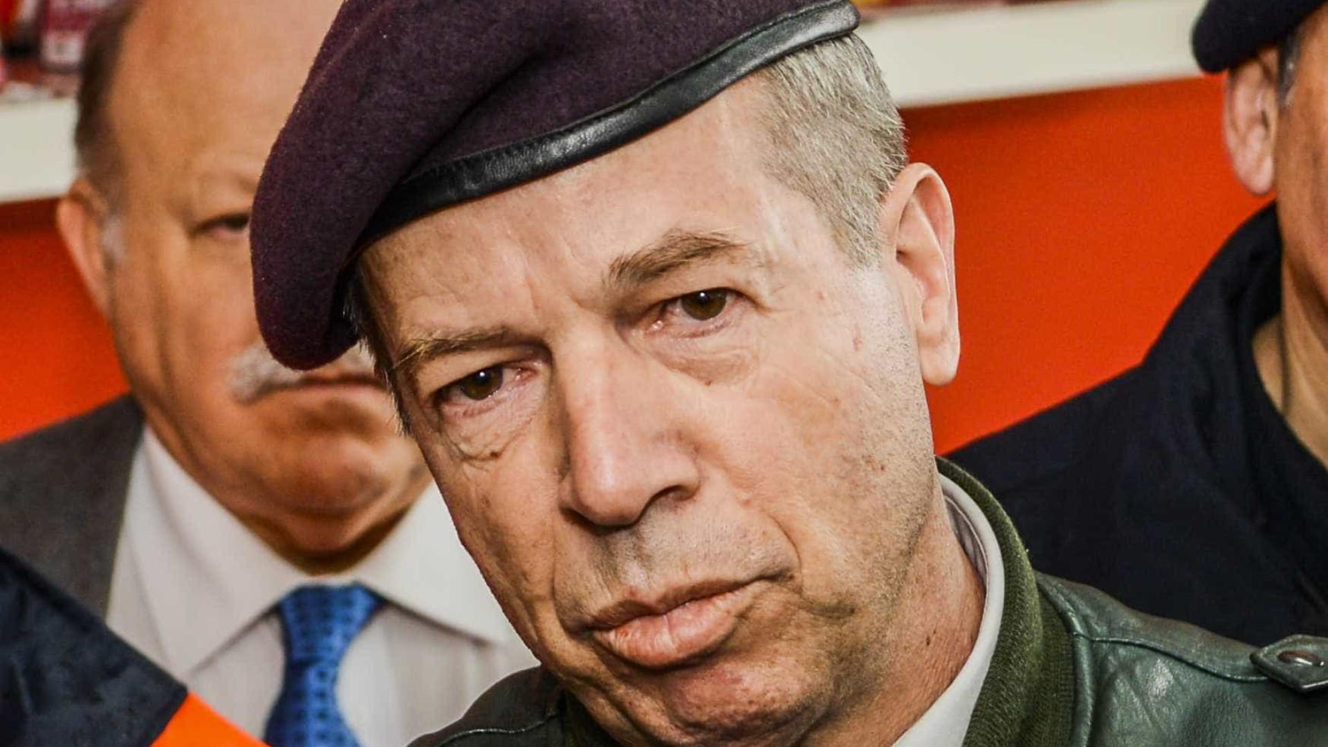 Chefe de Estado-Maior do Exército entrega pedido de demissão