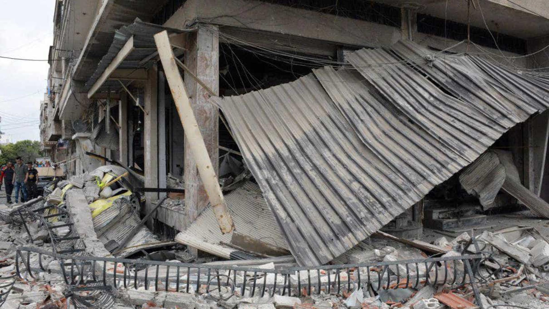 Ataques suicidas na Síria fazem pelo menos 18 mortos