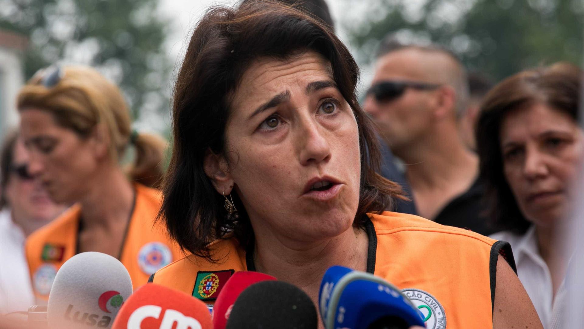 Proteção Civil: Ministra quis demitir comandante nacional. Ele recusou