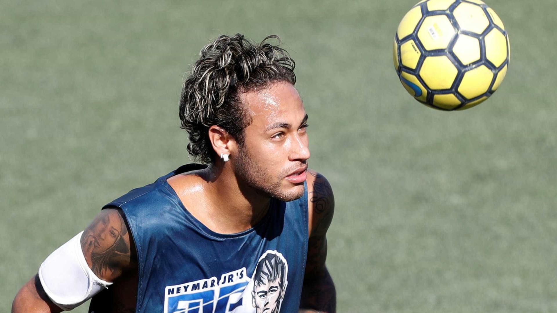 Neymar já teria aceitado a proposta do PSG, segundo jornal francês
