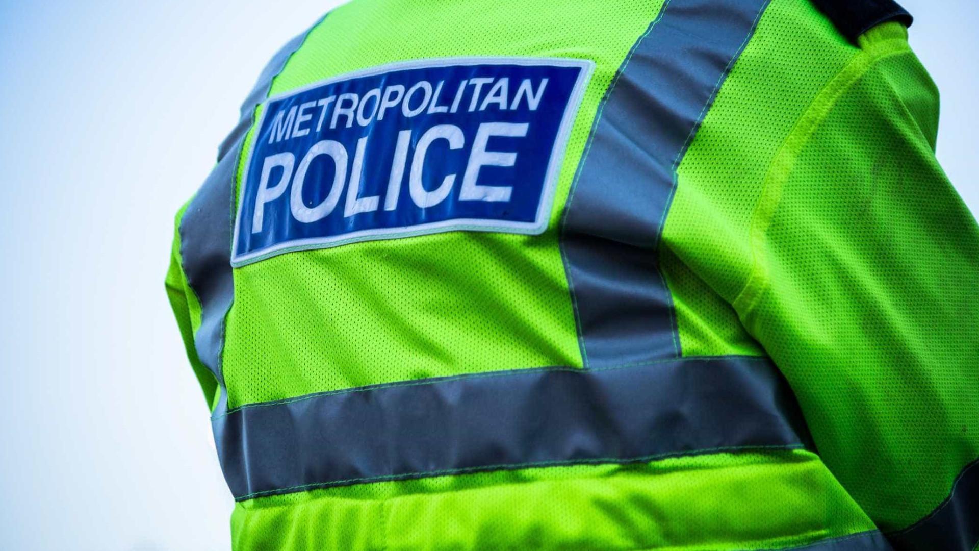 Jovem de 17 anos esfaqueada mortalmente em Londres