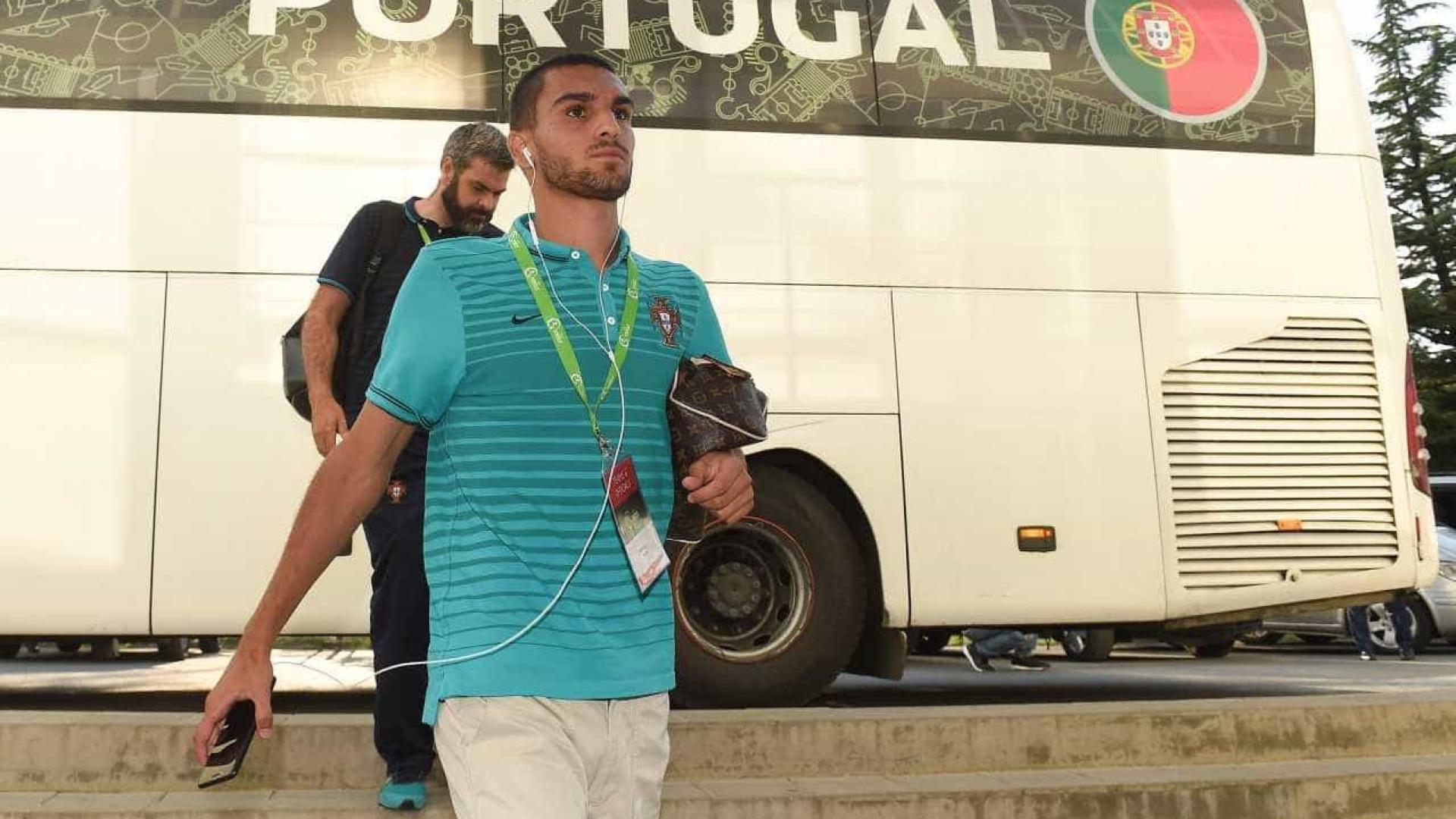 Vice-campeões europeus sub-19 chegam a Portugal confiantes no futuro