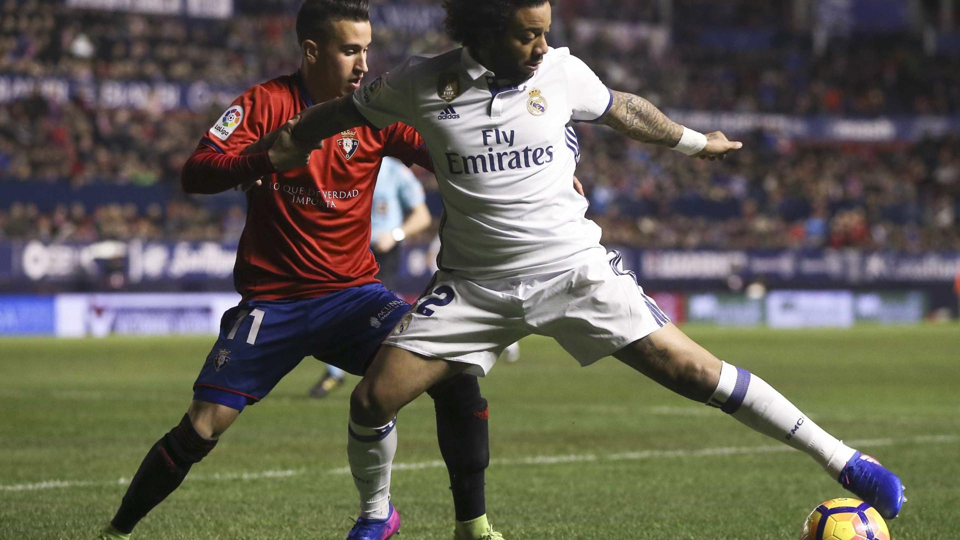Sporting: De Espanha, um lateral. De Itália, um extremo
