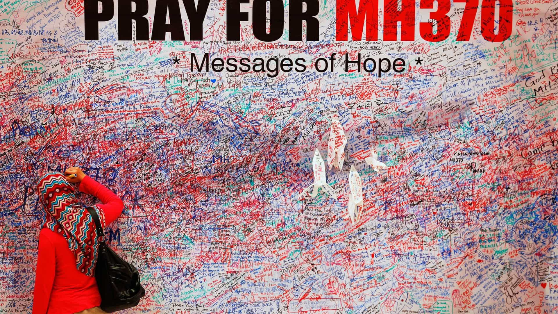 Monumento recorda vítimas do voo MH17 três anos depois da tragédia