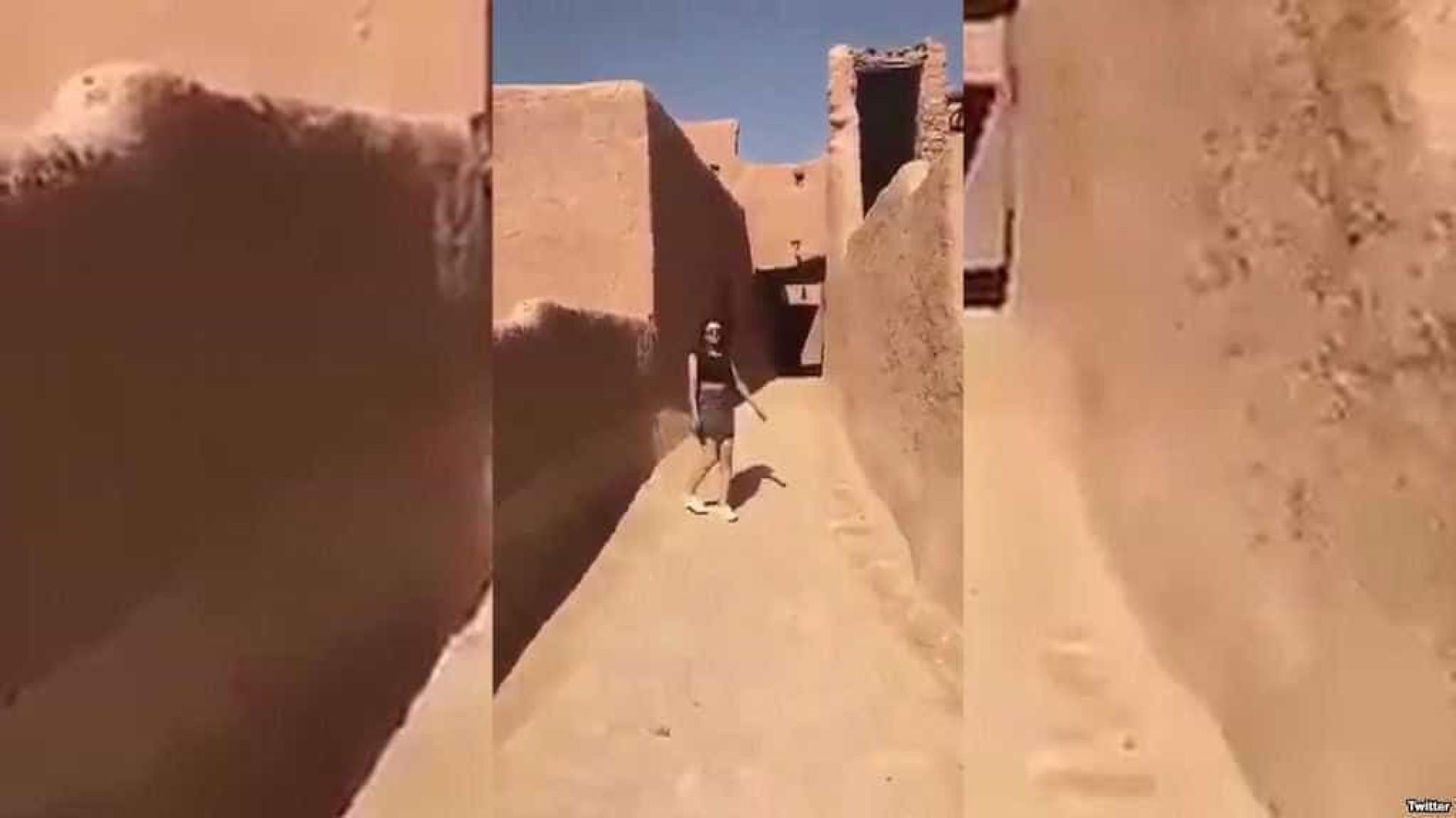 Jovem da Arábia Saudita gera polémica com vídeo de mini-saia e top