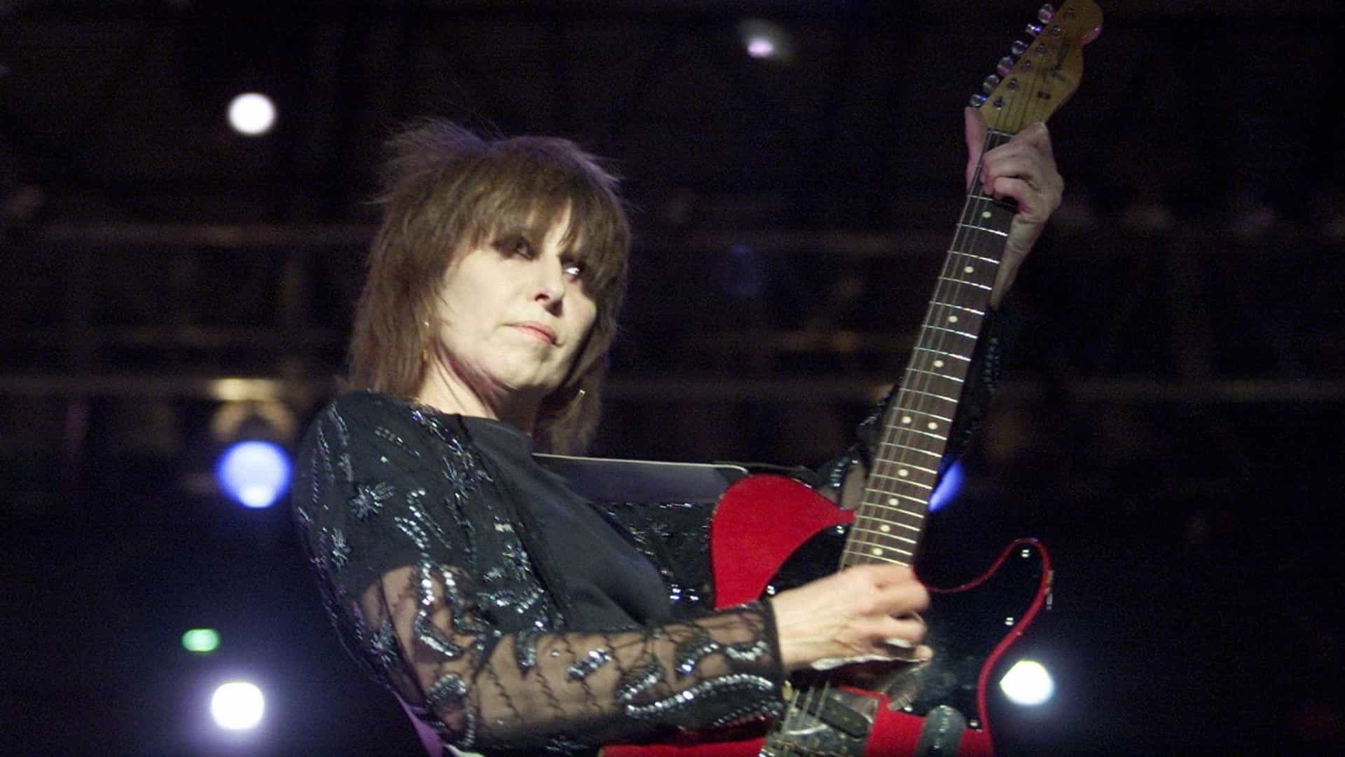 Festival cooljazz: Guitarra assinada por Chrissie Hynde rende 1.565 euros