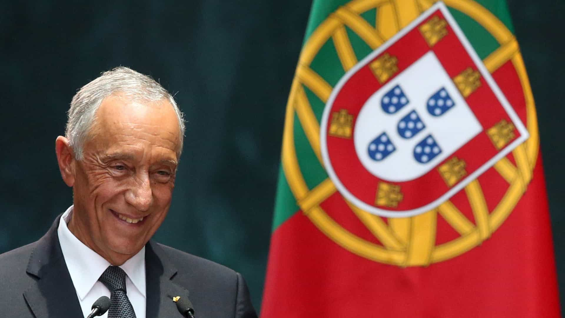 """Marcelo condecorou comissário Pierre Moscovici, um """"amigo de Portugal"""""""